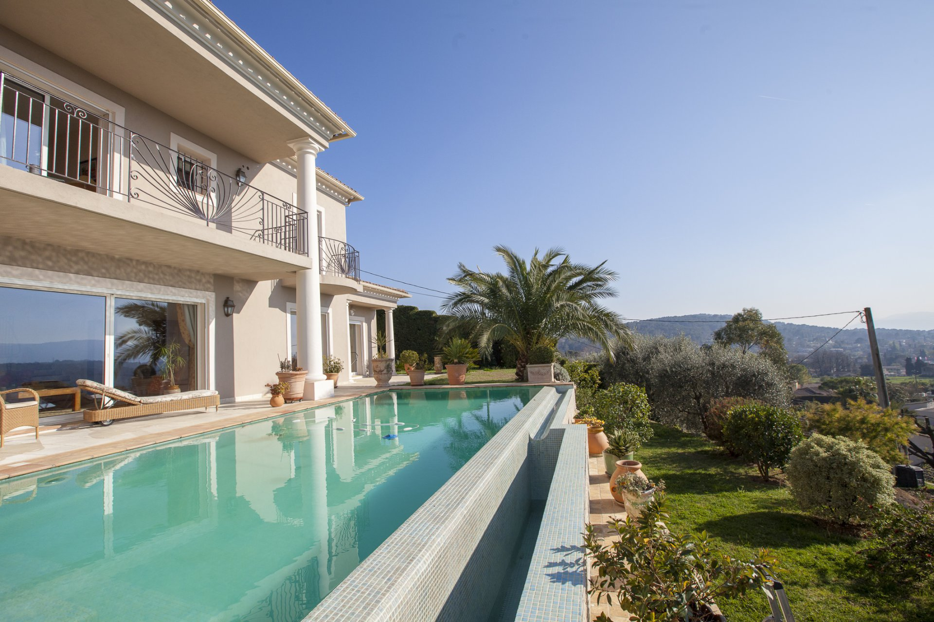 Recently built villa with panoramic views