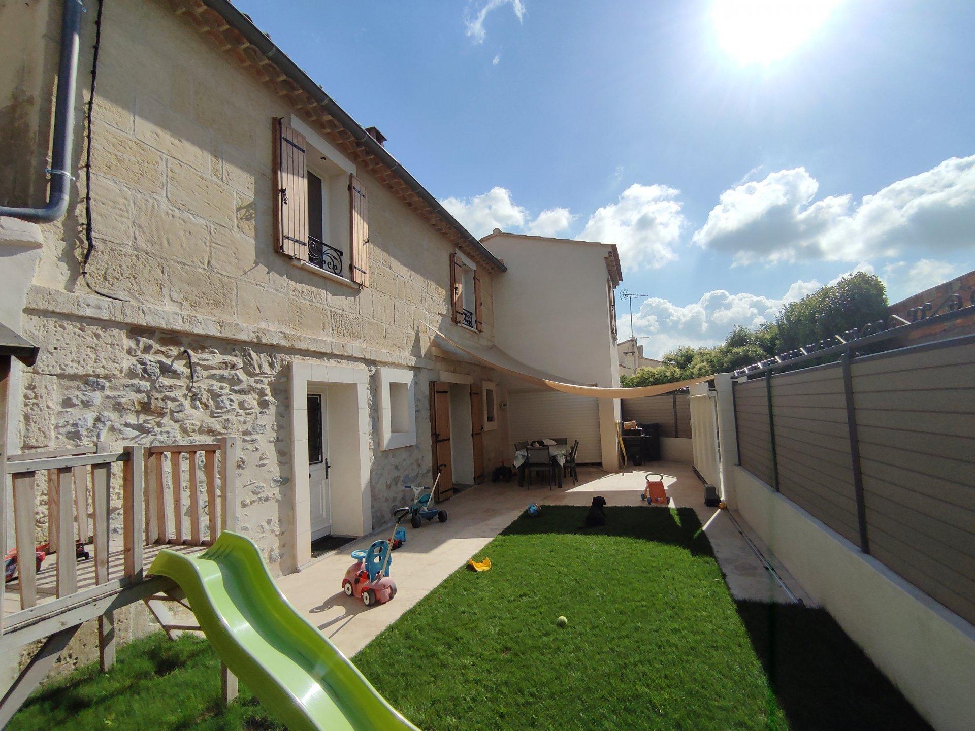 Maison avec cachet proche centre d'Arles
