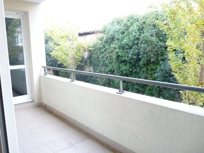 Appartement type 2, 40m2, une chambre, terrasse, parking privatif