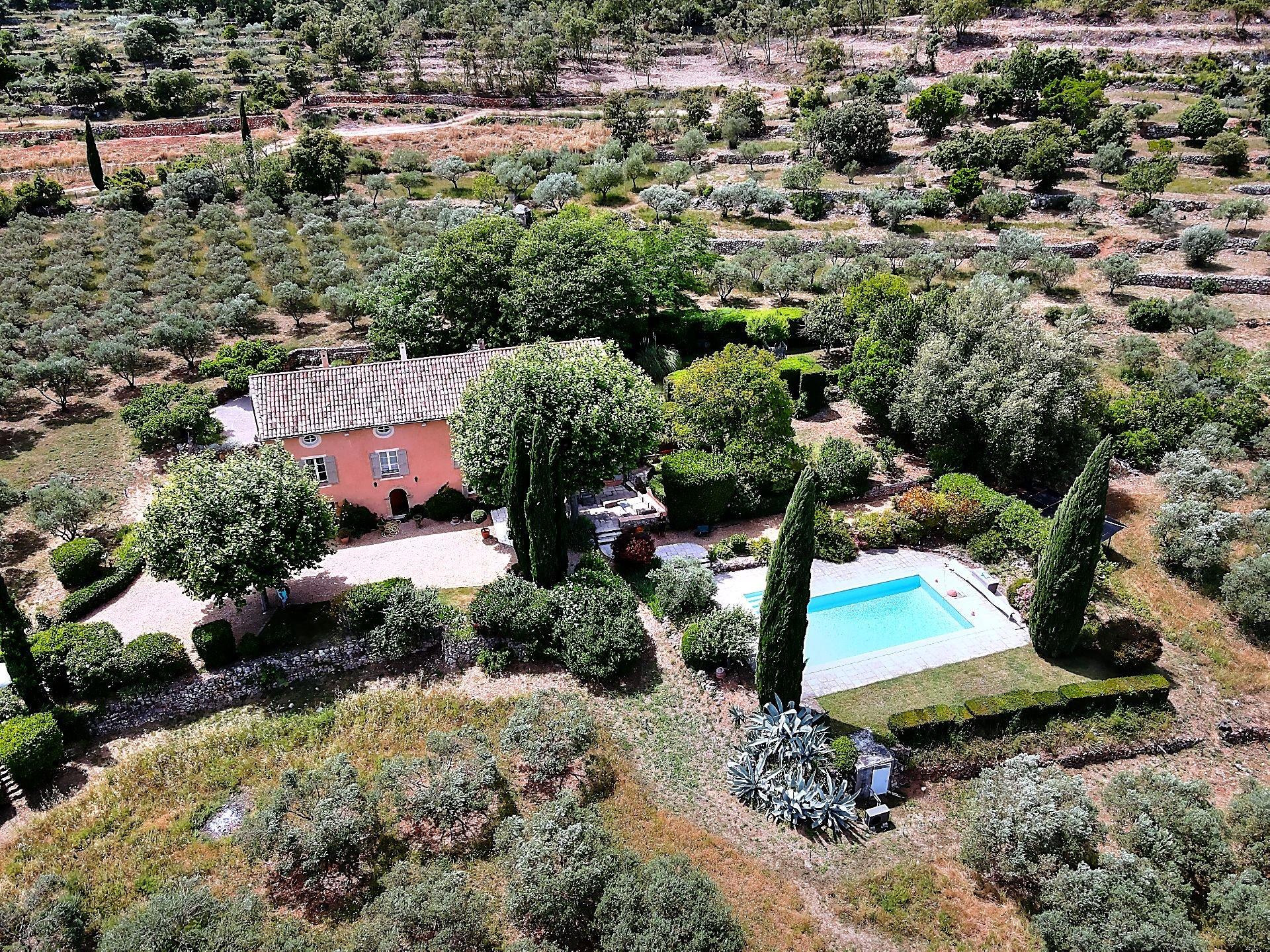 Superb Provençal country house 6 bdrm 3 ha Cotignac