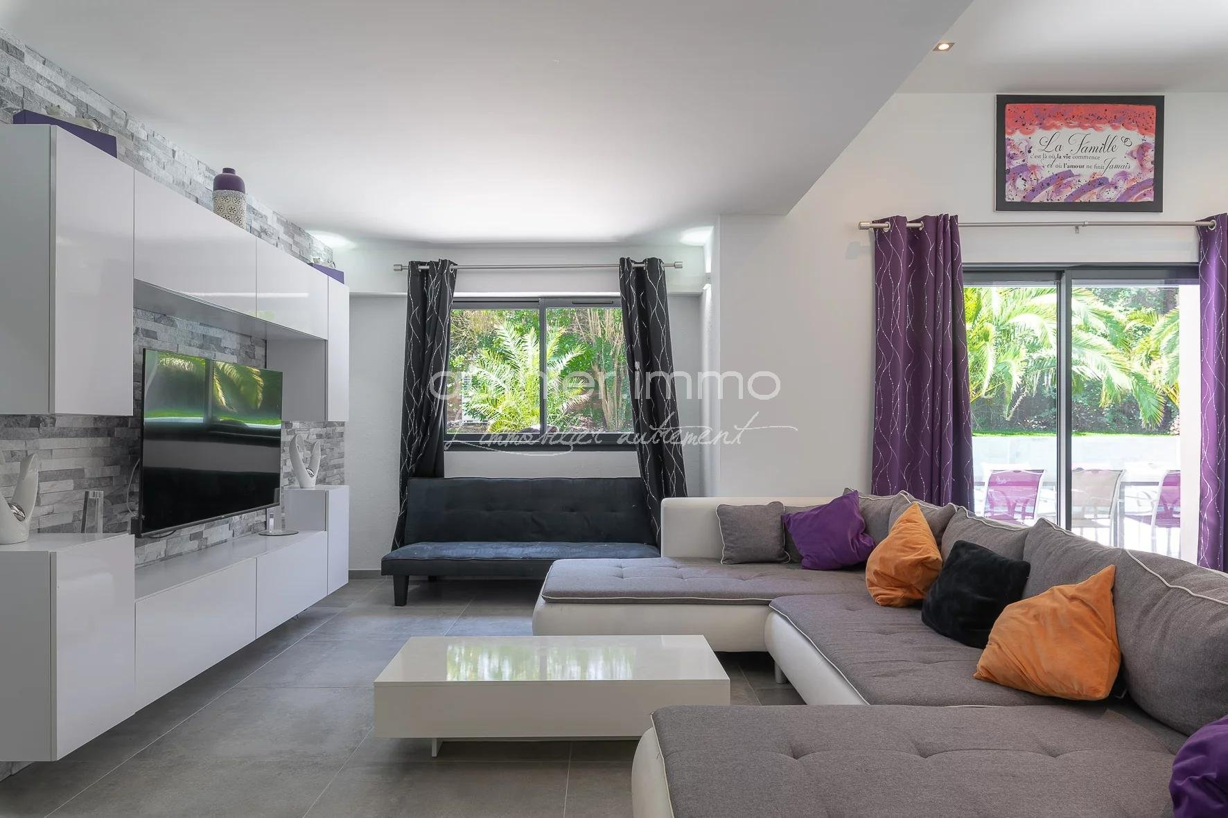 Renovated character villa for sale in a natural setting