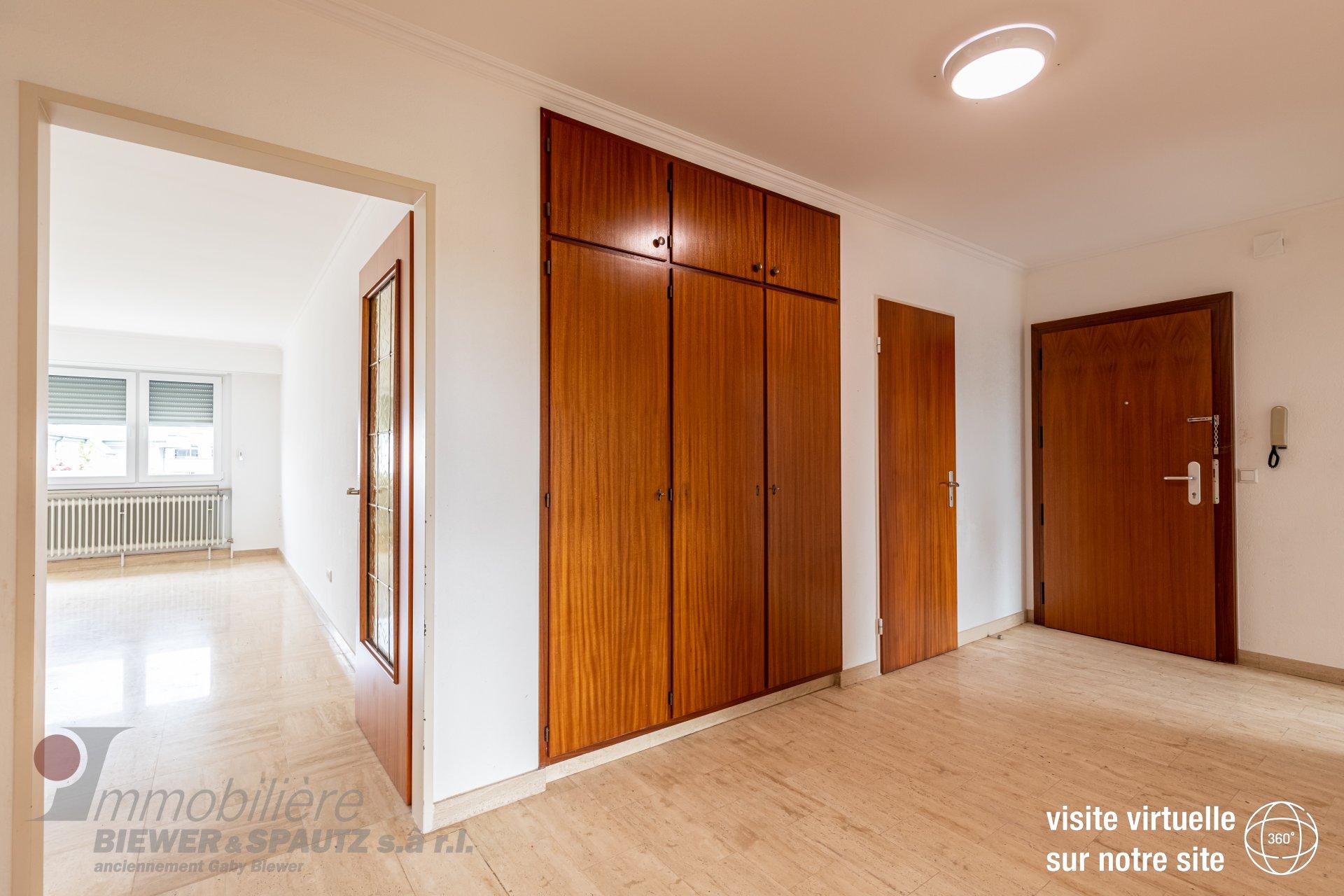 LOUE - appartement avec 2 chambres à coucher à Howald