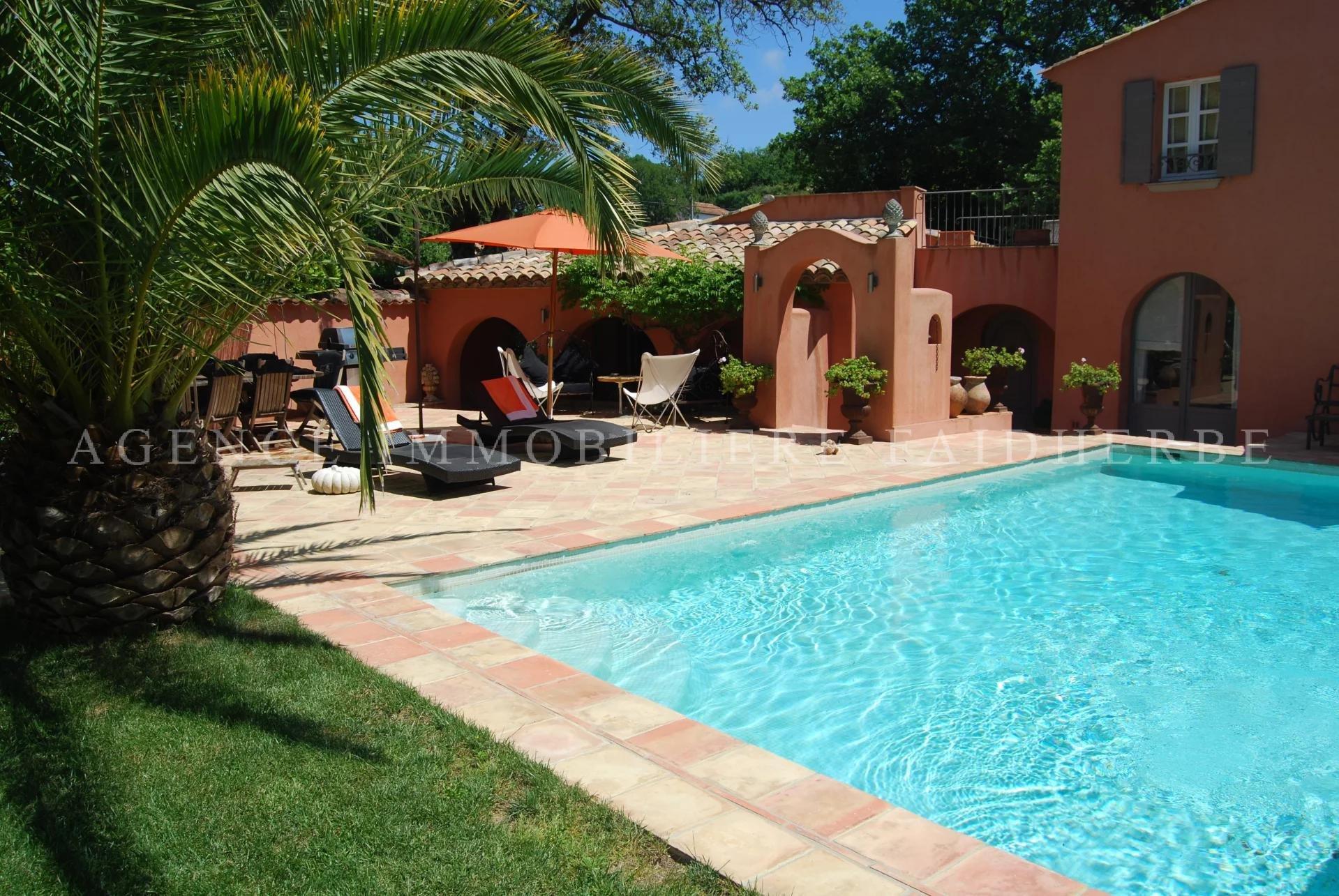 Pleine de charme, villa provençale avec piscine