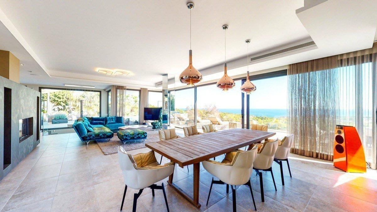 Exclusieve luxe villa met panoramisch uitzicht op zee