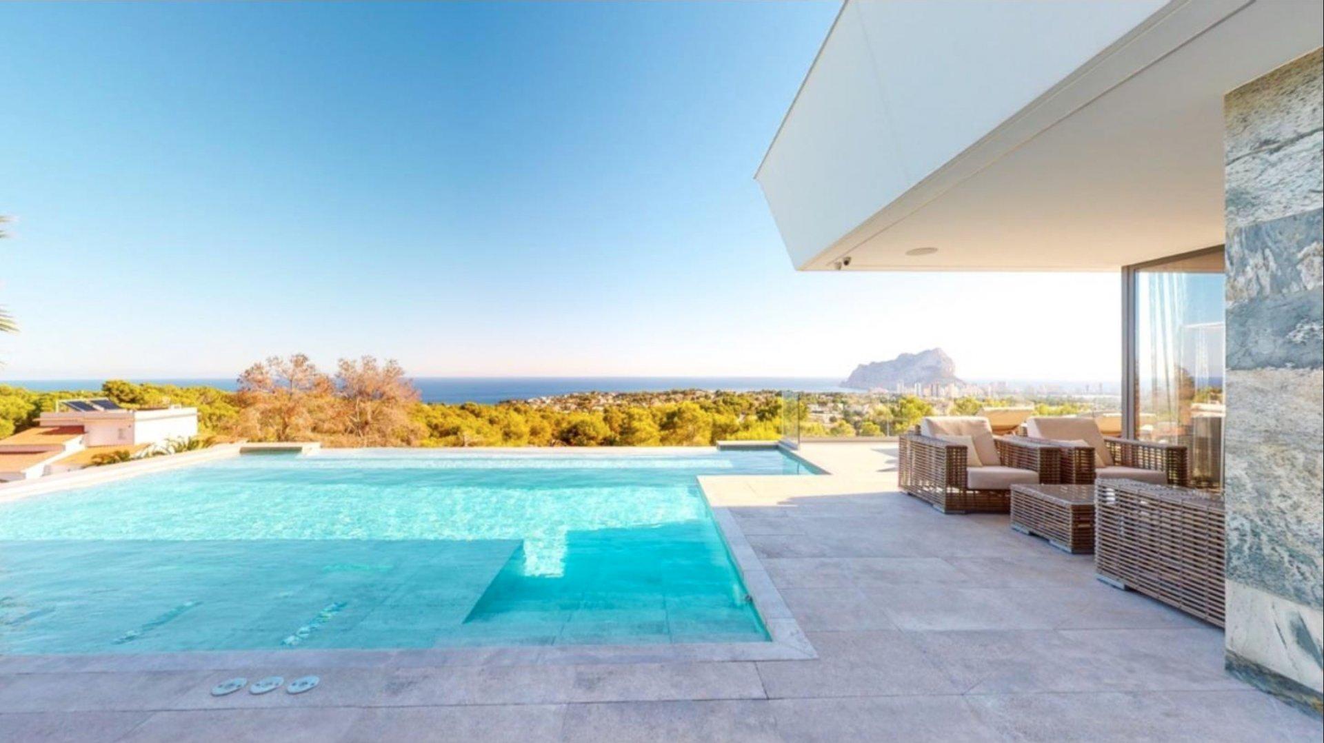 Villa de luxe exclusive avec vue panoramique sur la mer