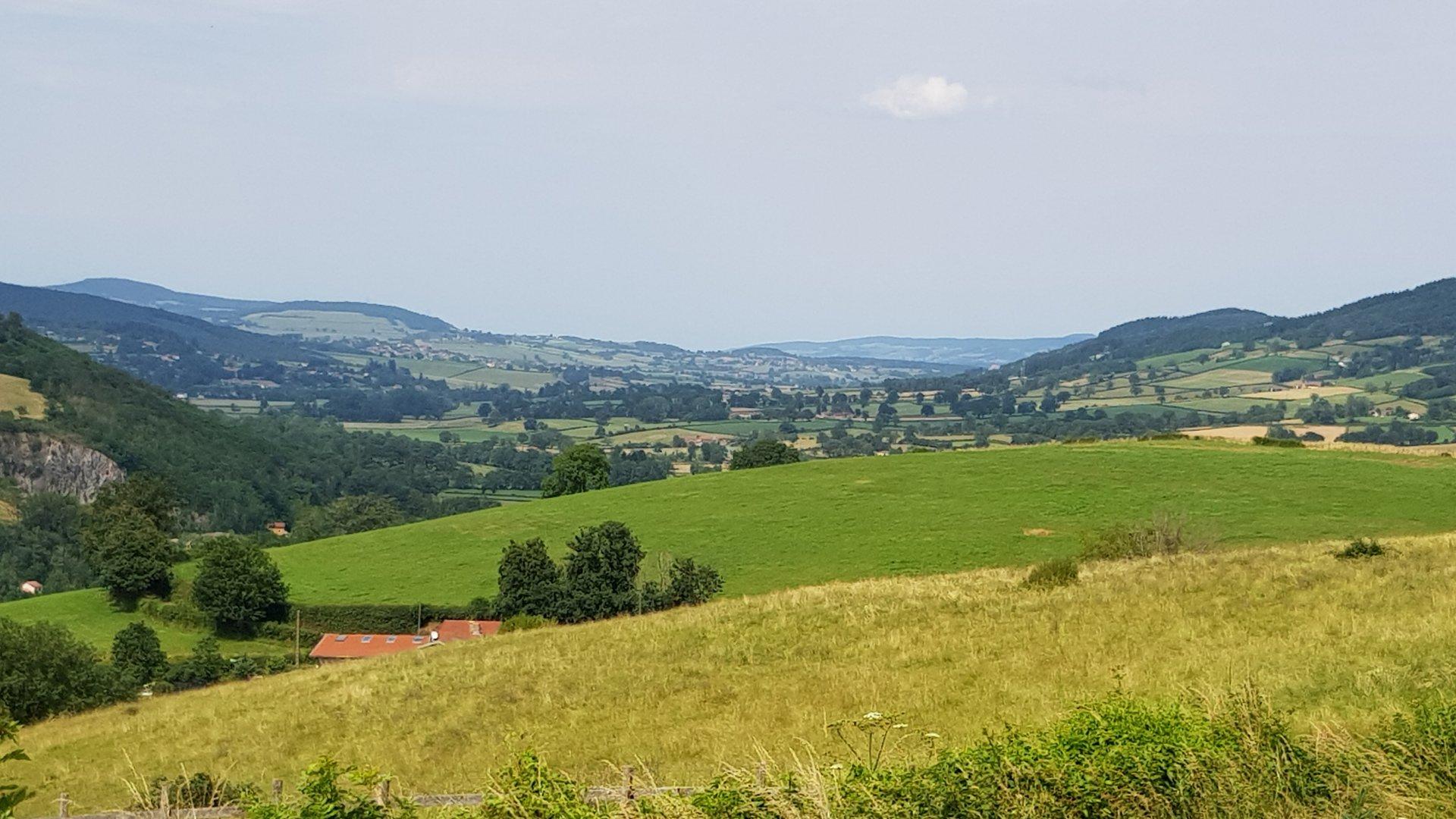 Boerderij met fabelachtig uitzicht te koop in zuid-Bourgogne