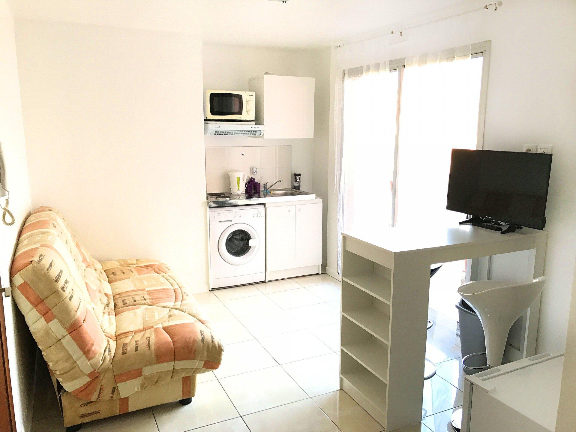LE LAUTIN Studio meublé Balcon 530 € cc