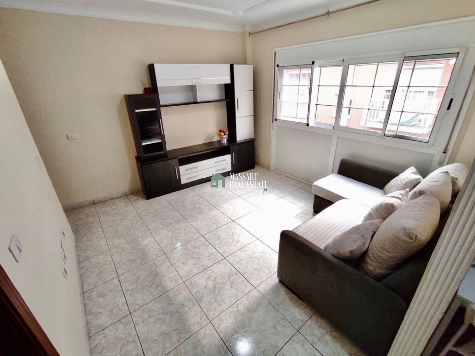 Fully equipped 60 m2 apartment located in the popular town of Guargacho.