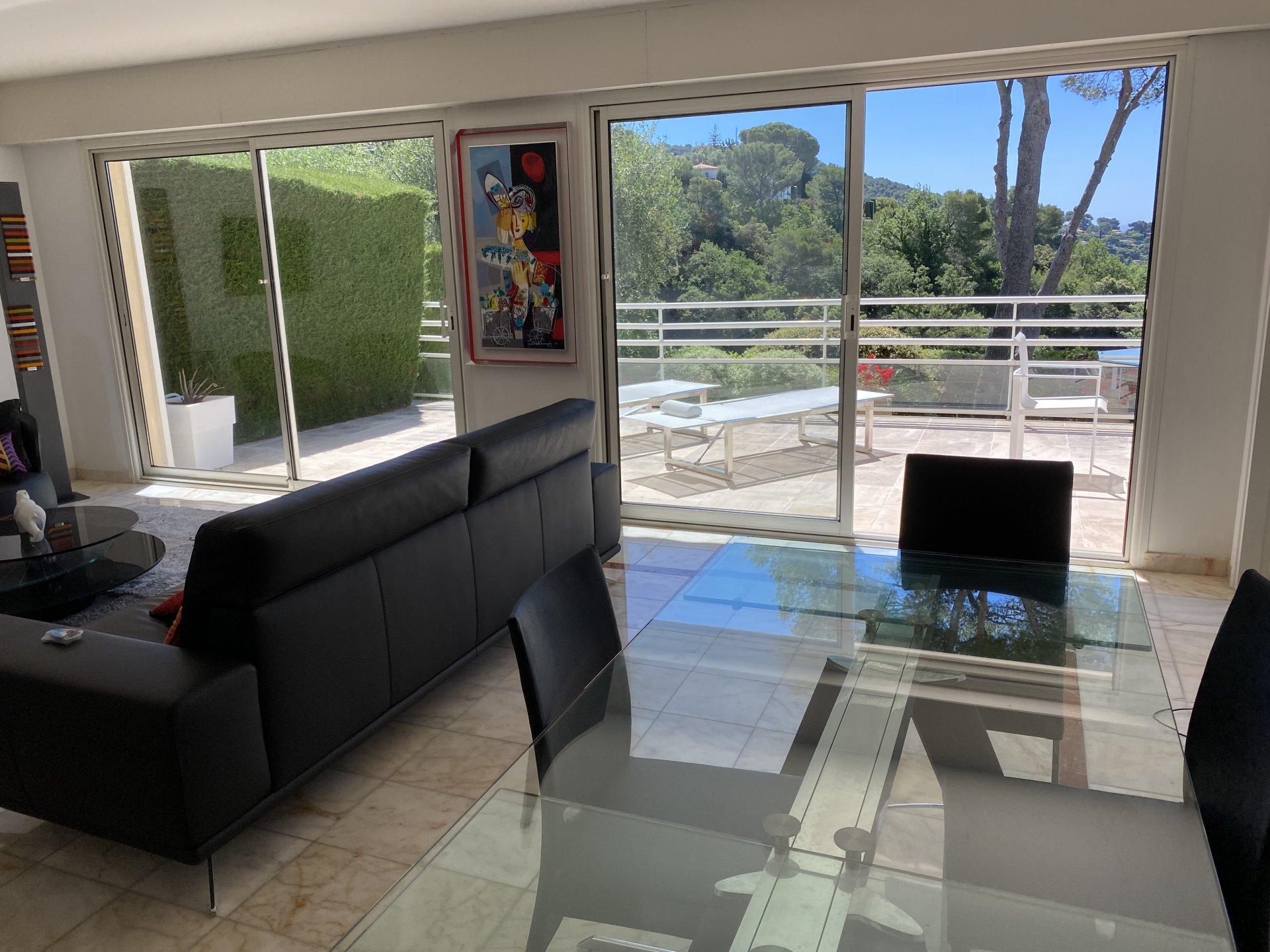 LE CANNET Panoramic sea views 3 pcs apartment