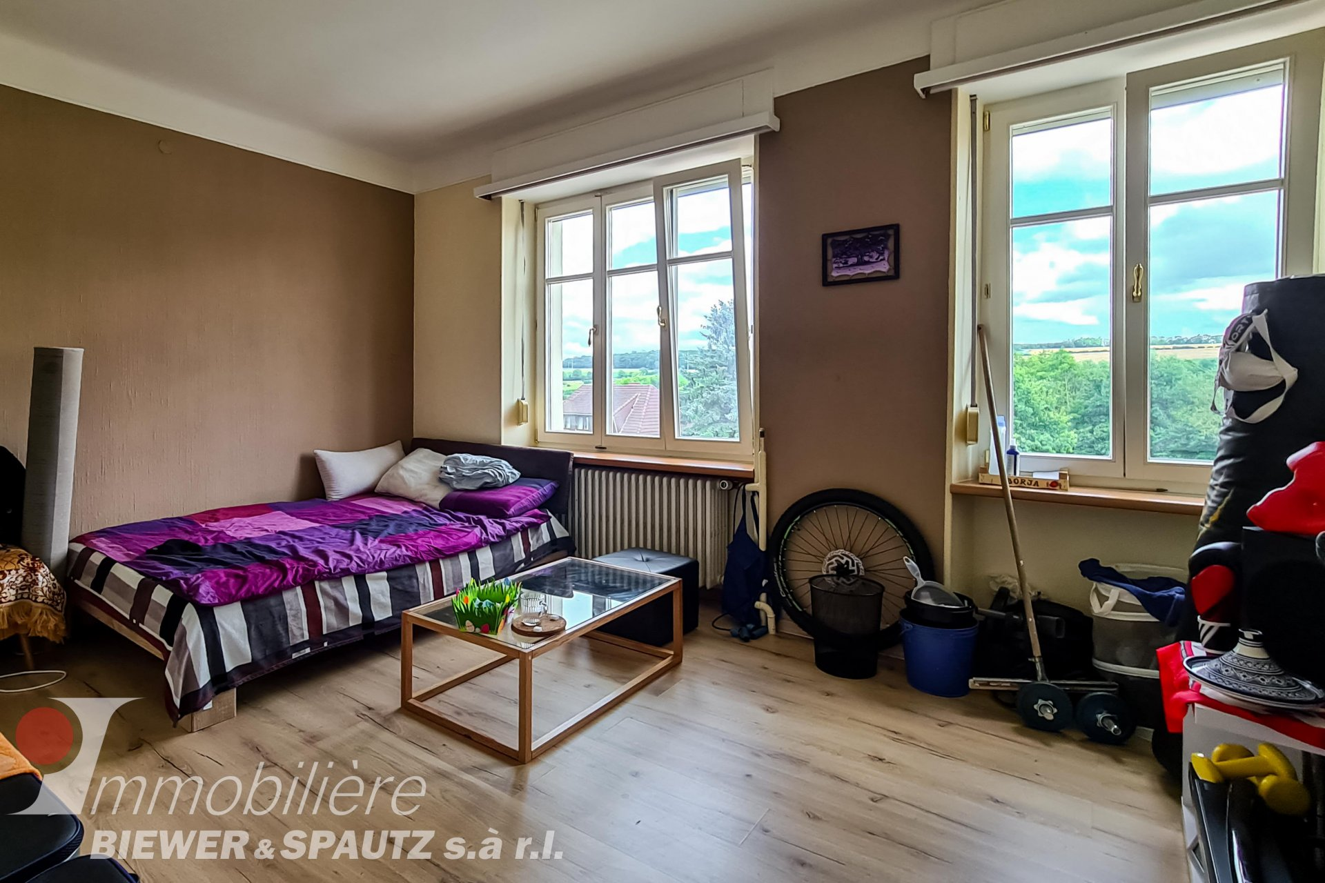 ZU VERKAUFEN - Haus mit 5 Schlafzimmern in Wecker