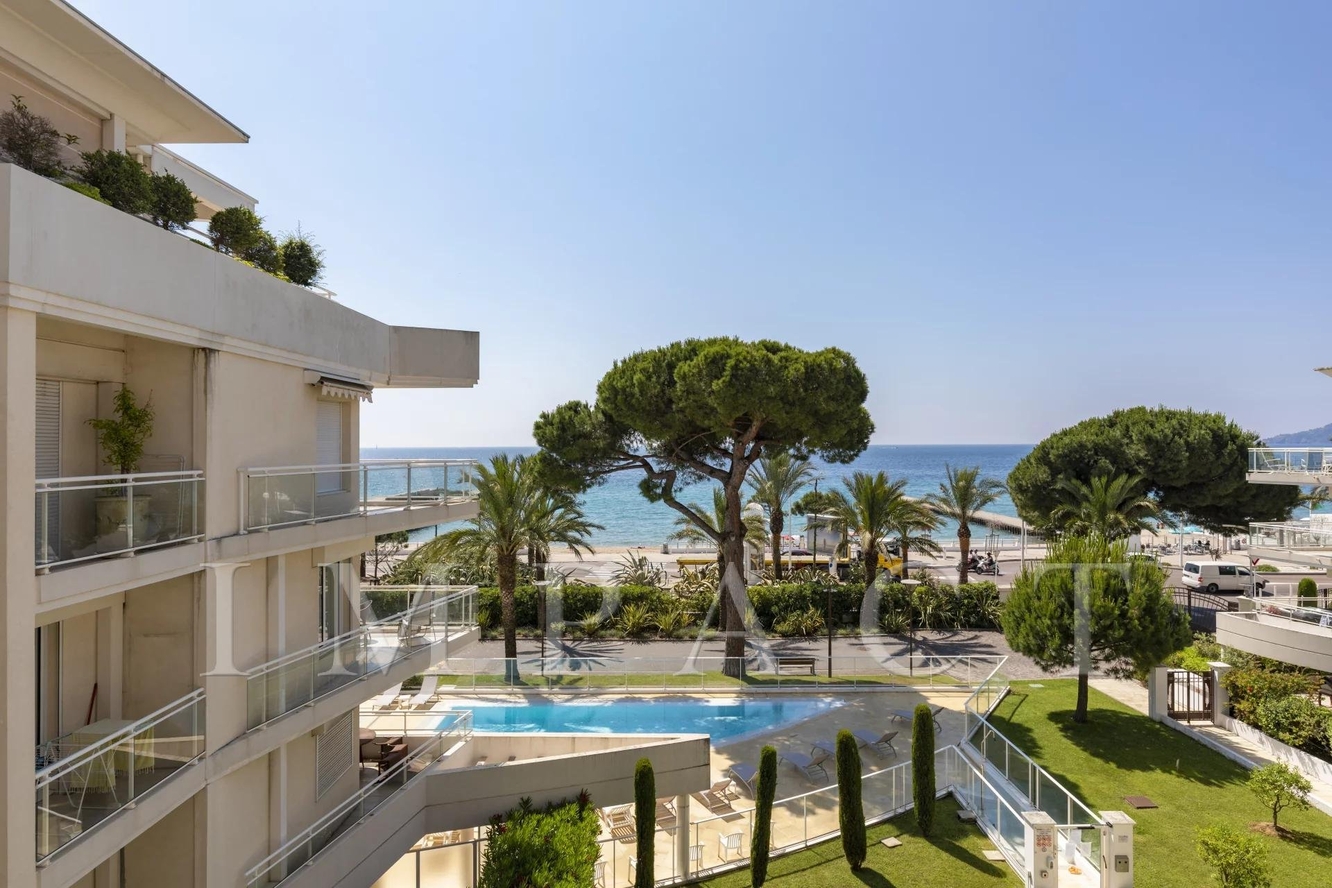 Apartment for sale with sea view - Cannes Plages du Midi