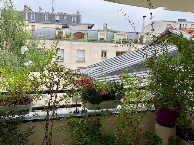 3 pieces + balcon terrasse et parking