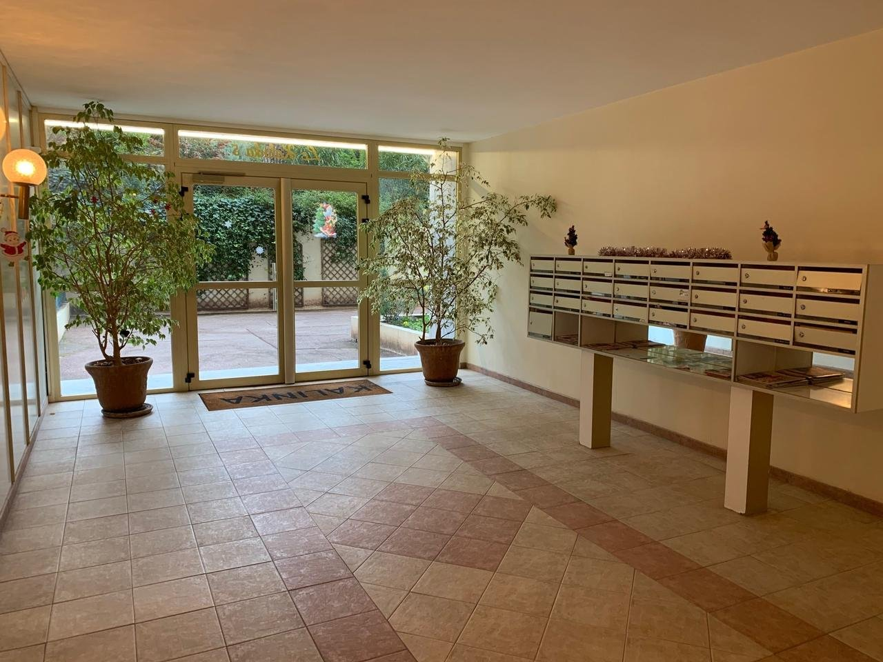 NICE OUEST 2 PIECES RESIDENCE PISCINE TENNIS