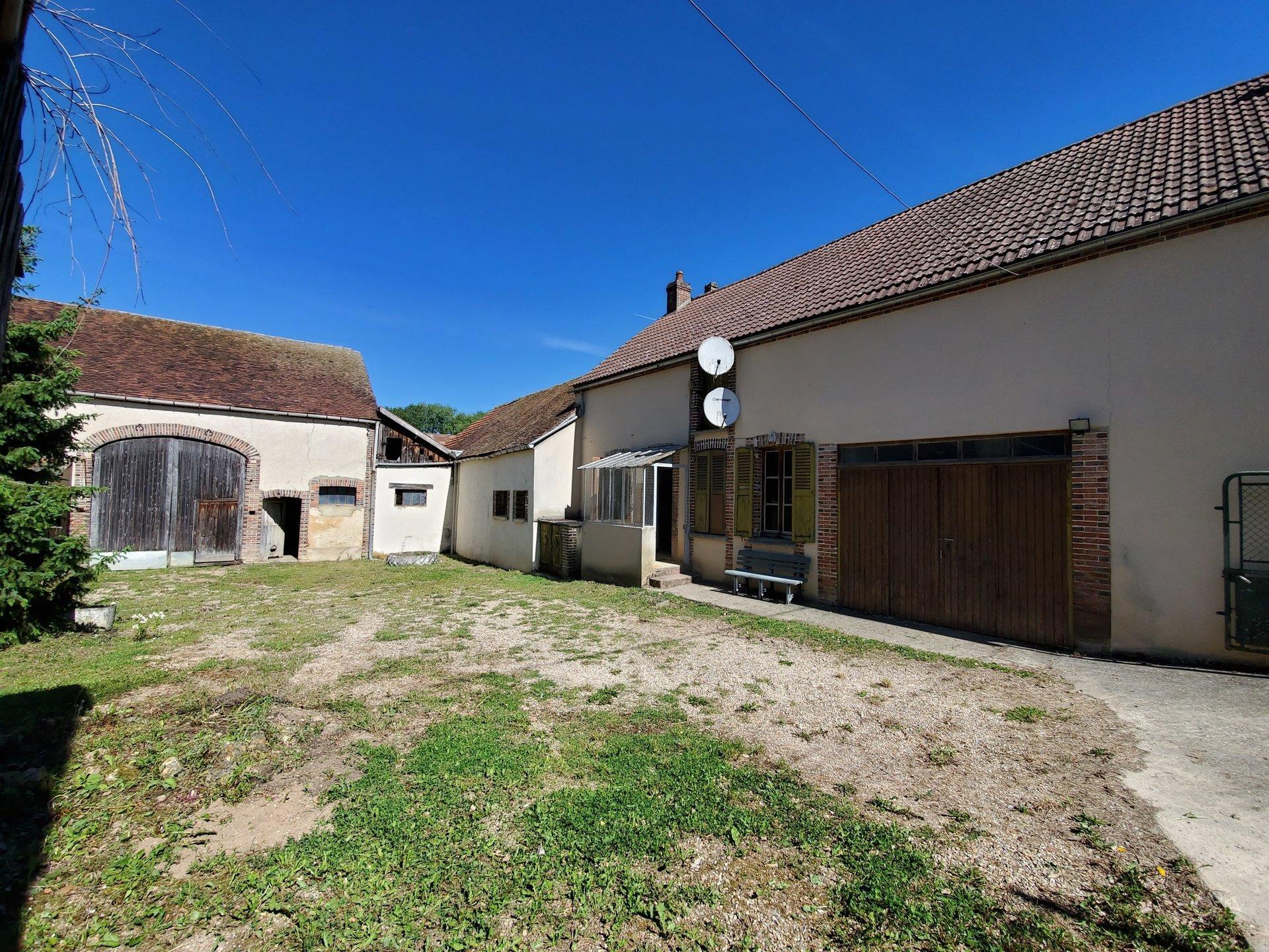 Sale Village house - Villeneuve-sur-Yonne