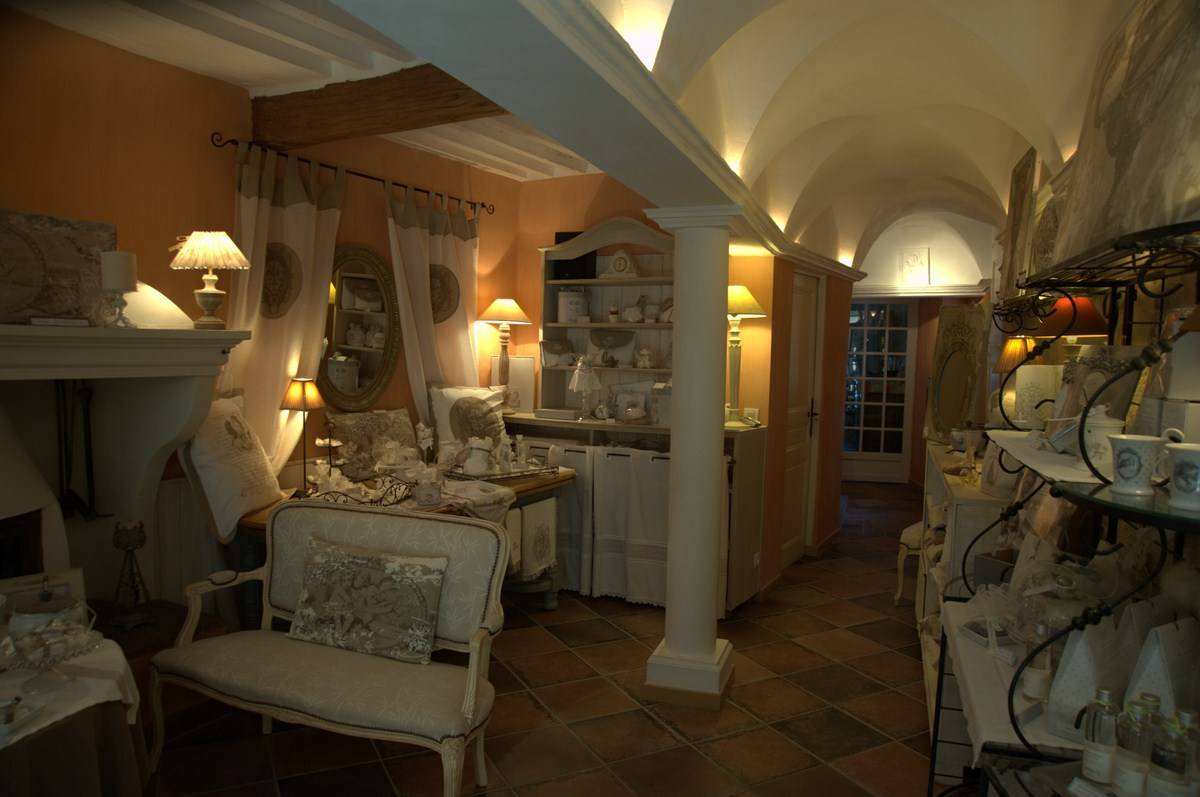 CLAVIERS : Charming village house
