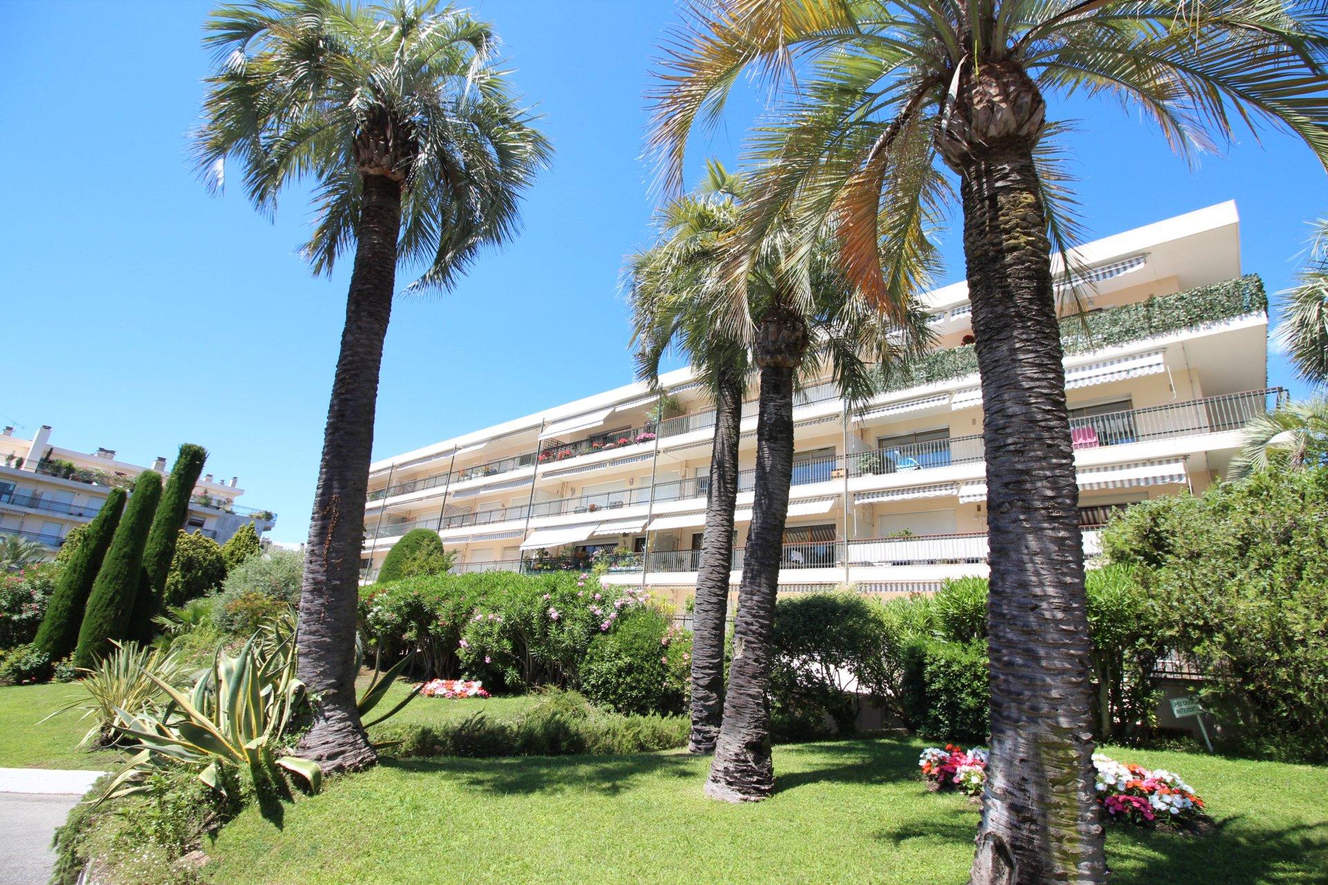 Cannes, bas Croix des Gardes, 3 Pièces traversant, piscine.