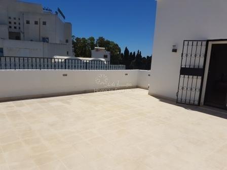 villa de haut standing à Hammamet  en face du théâtre de Hammamet)