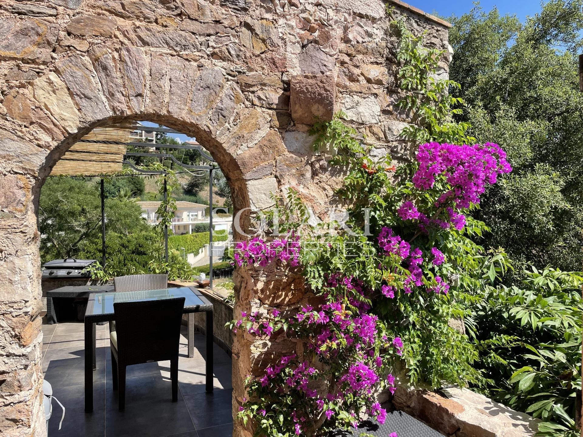 Charming villa in Mandelieu