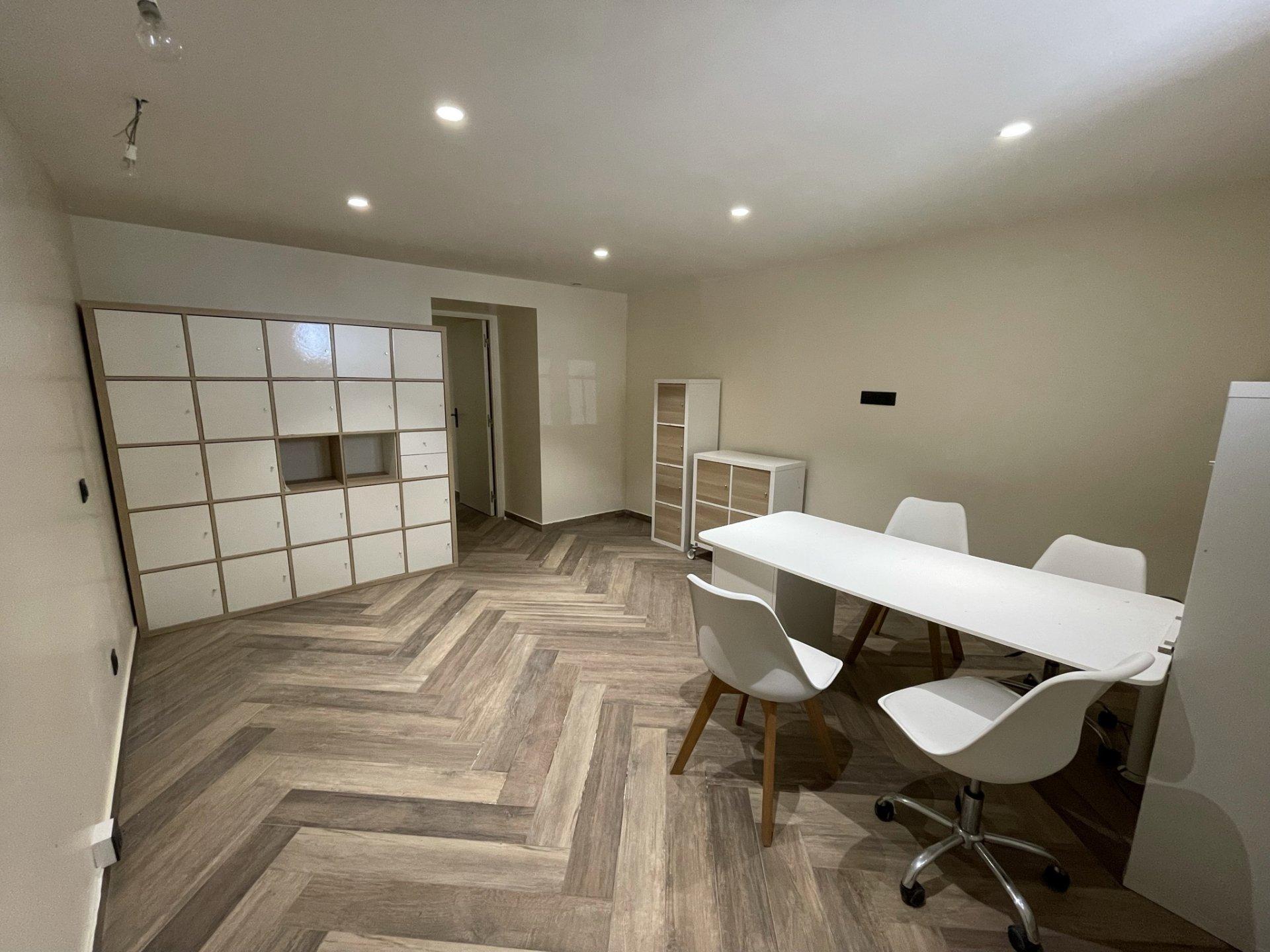 Location Meublée Nice, 2 pièces 29,78 m² situé Carré d'Or
