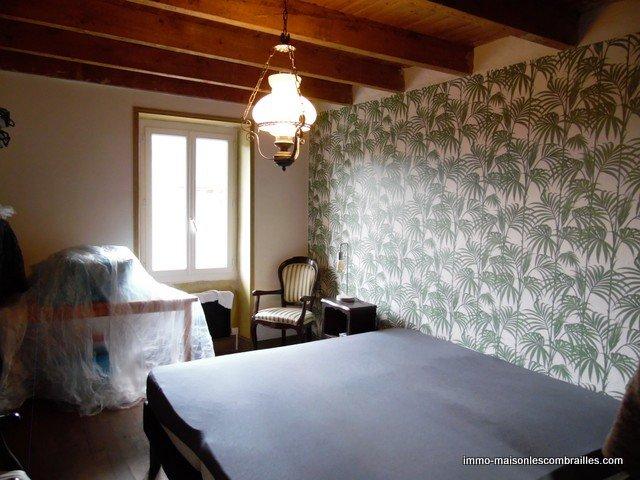 A vendre dans la Creuse, une maison et grange sur 3500m² .