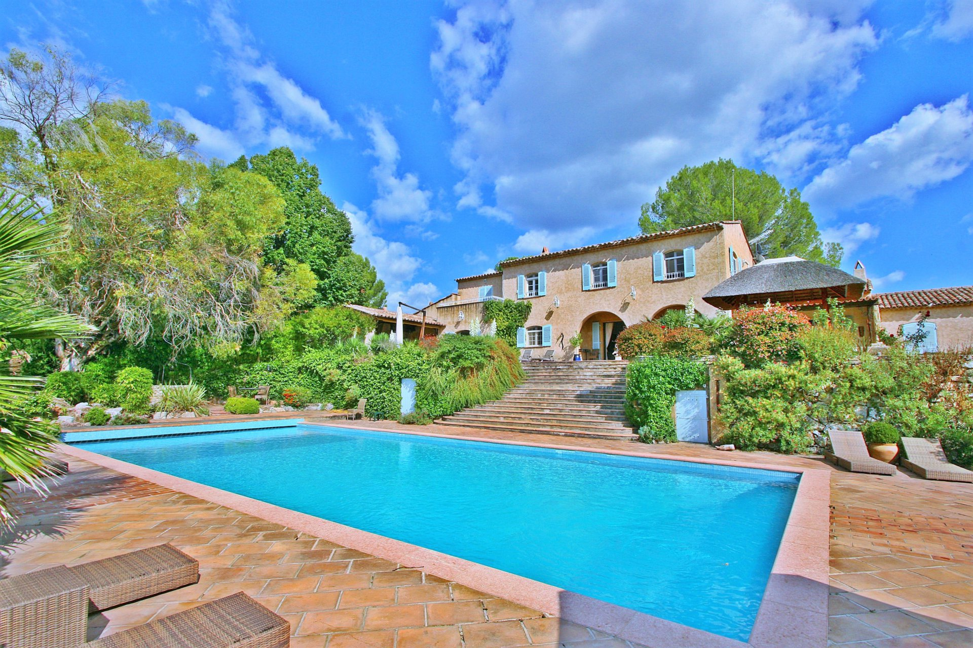 Stunning property set on 4ha of land walking distance from an authentic Provencal village