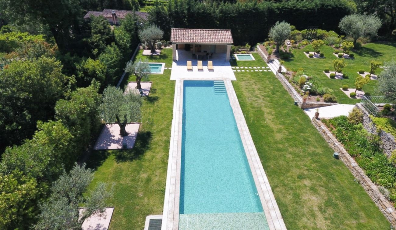 Valbonne exceptional property, architect's garden