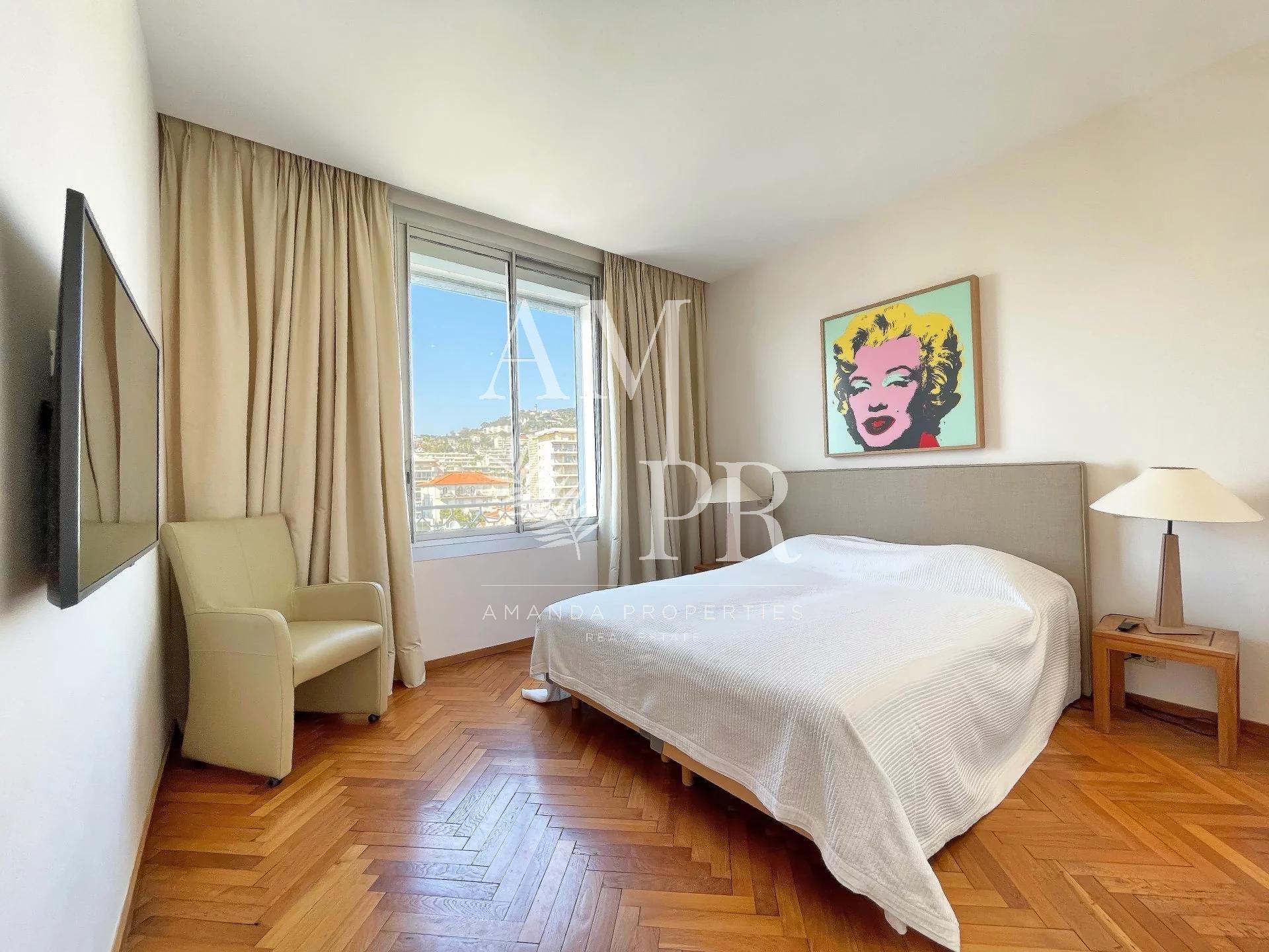 Cannes Croisette - Magnifique appartement 96 m2 - Vue Mer