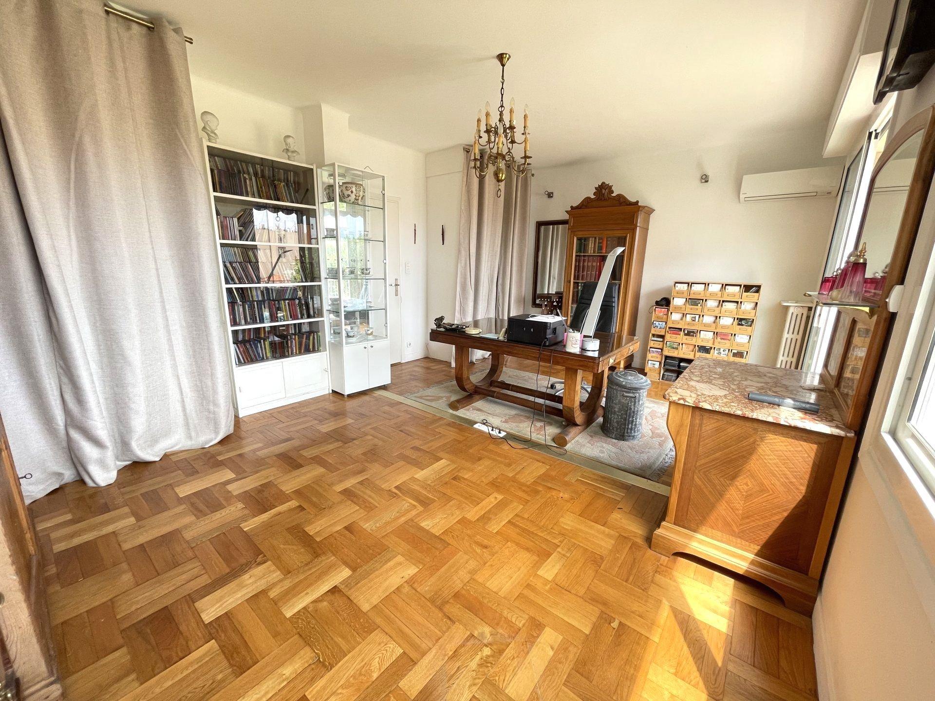Sale Apartment - Nice Libération