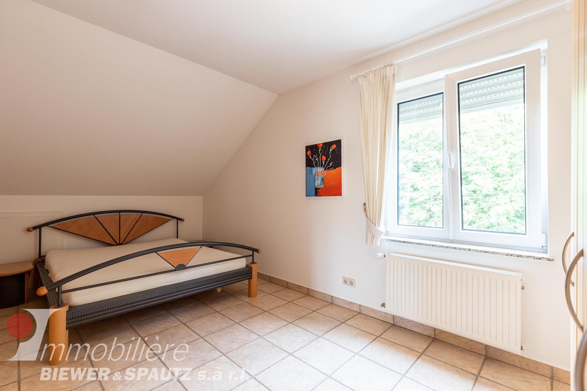 ZU VERMIETEN - Möblierte Wohnung mit 1 Schlafzimmer in Scheidgen