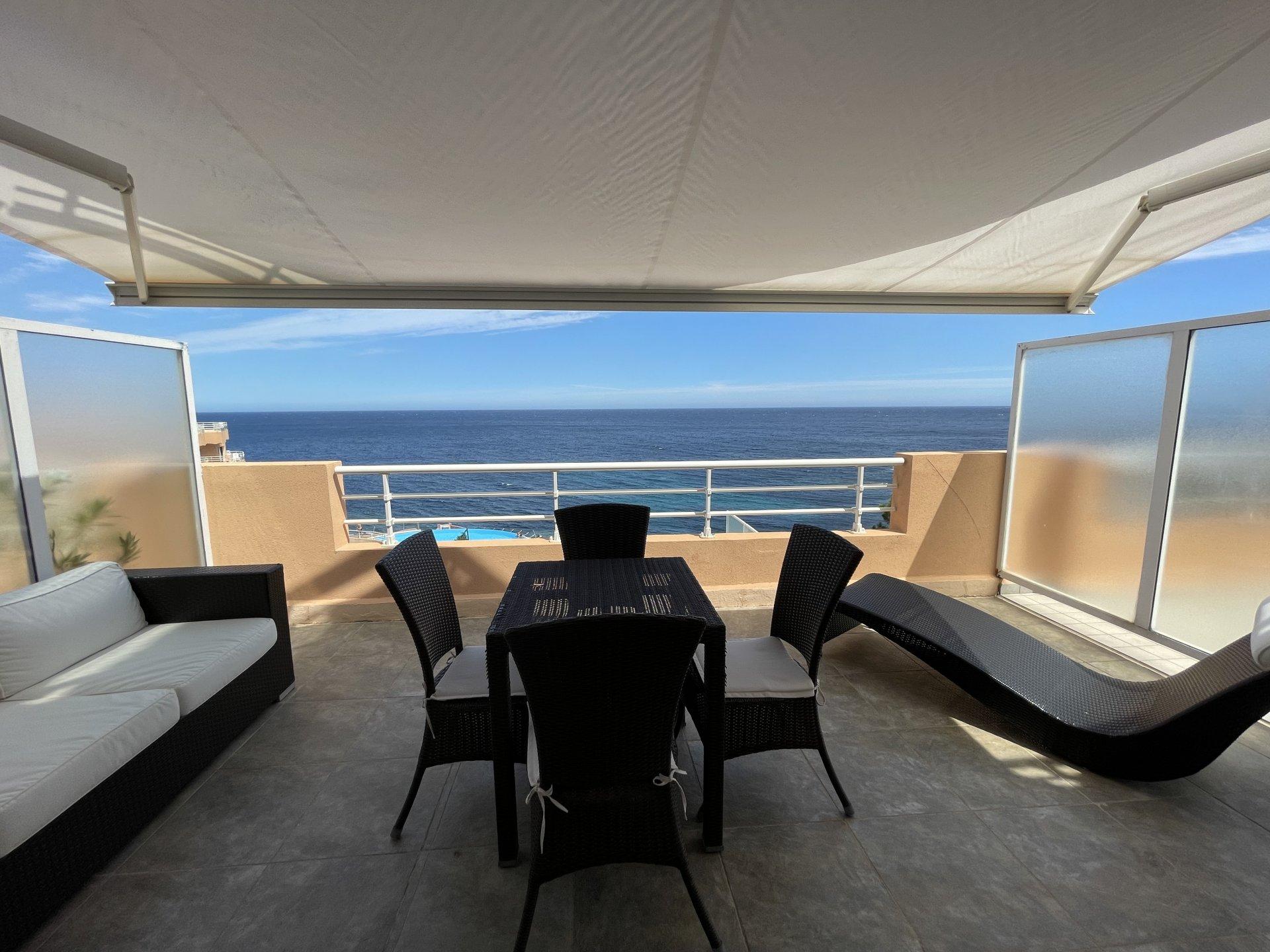 Ampio monolocale arredato con vista panoramica sul mare