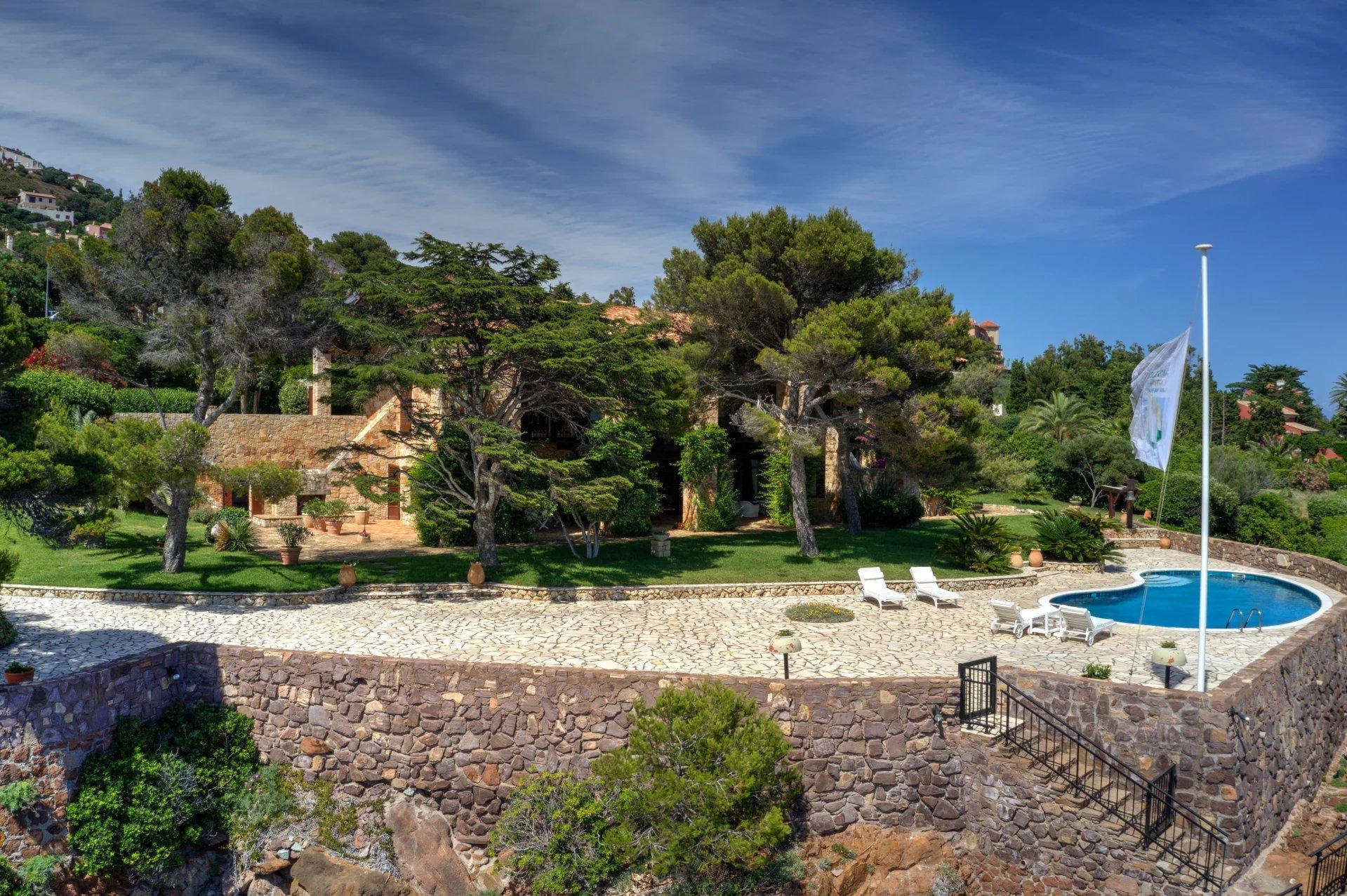 Verkauf Villa - Anthéor - Frankreich