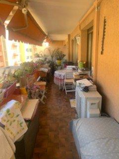 Plein centre de Carnolès- Résidence de Standing-T2 avec terrasse- refait à neuf- Garage