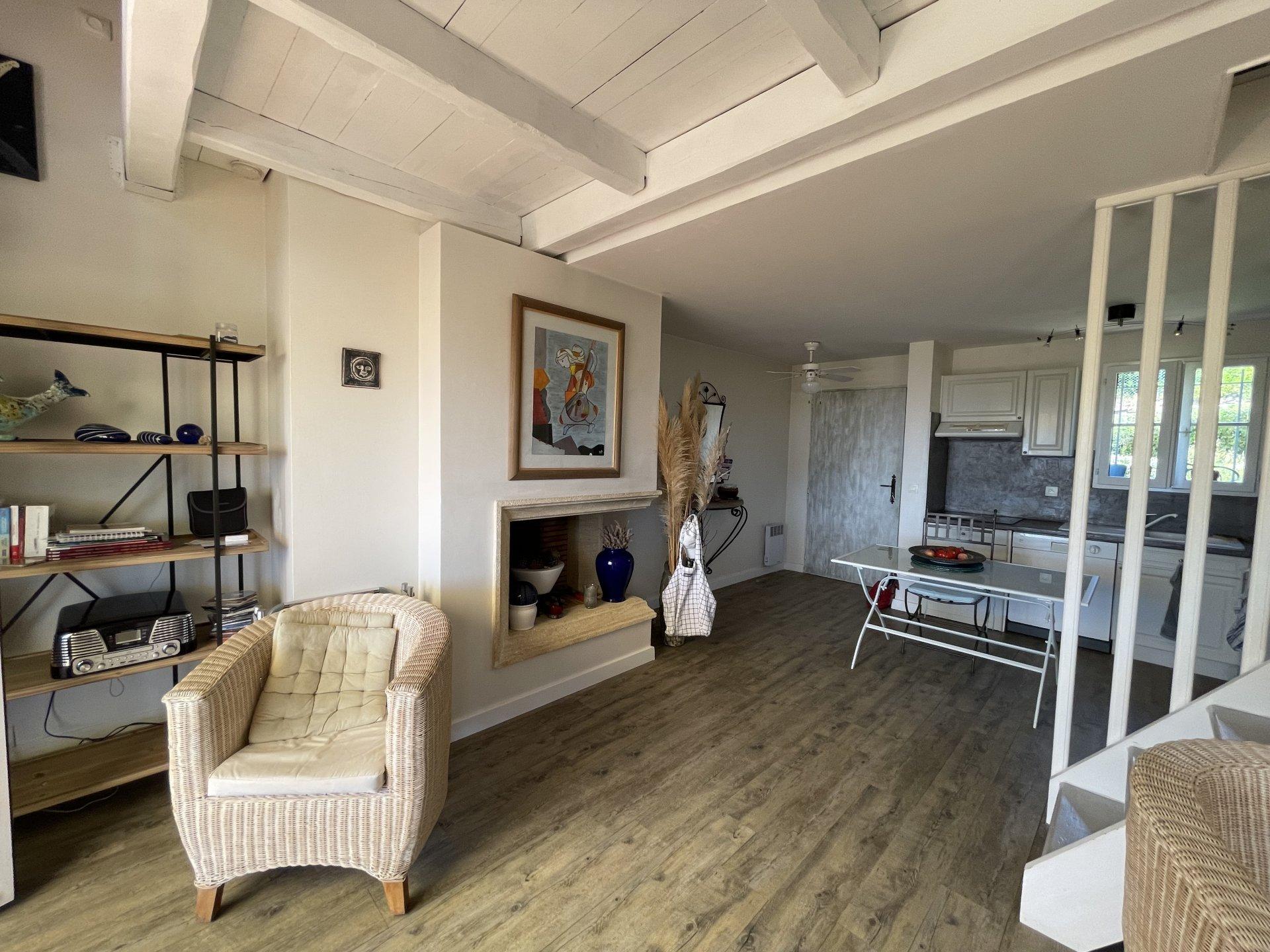 2-Zimmer-Wohnung 1 Schlafzimmer und 2 Schlafbereiche