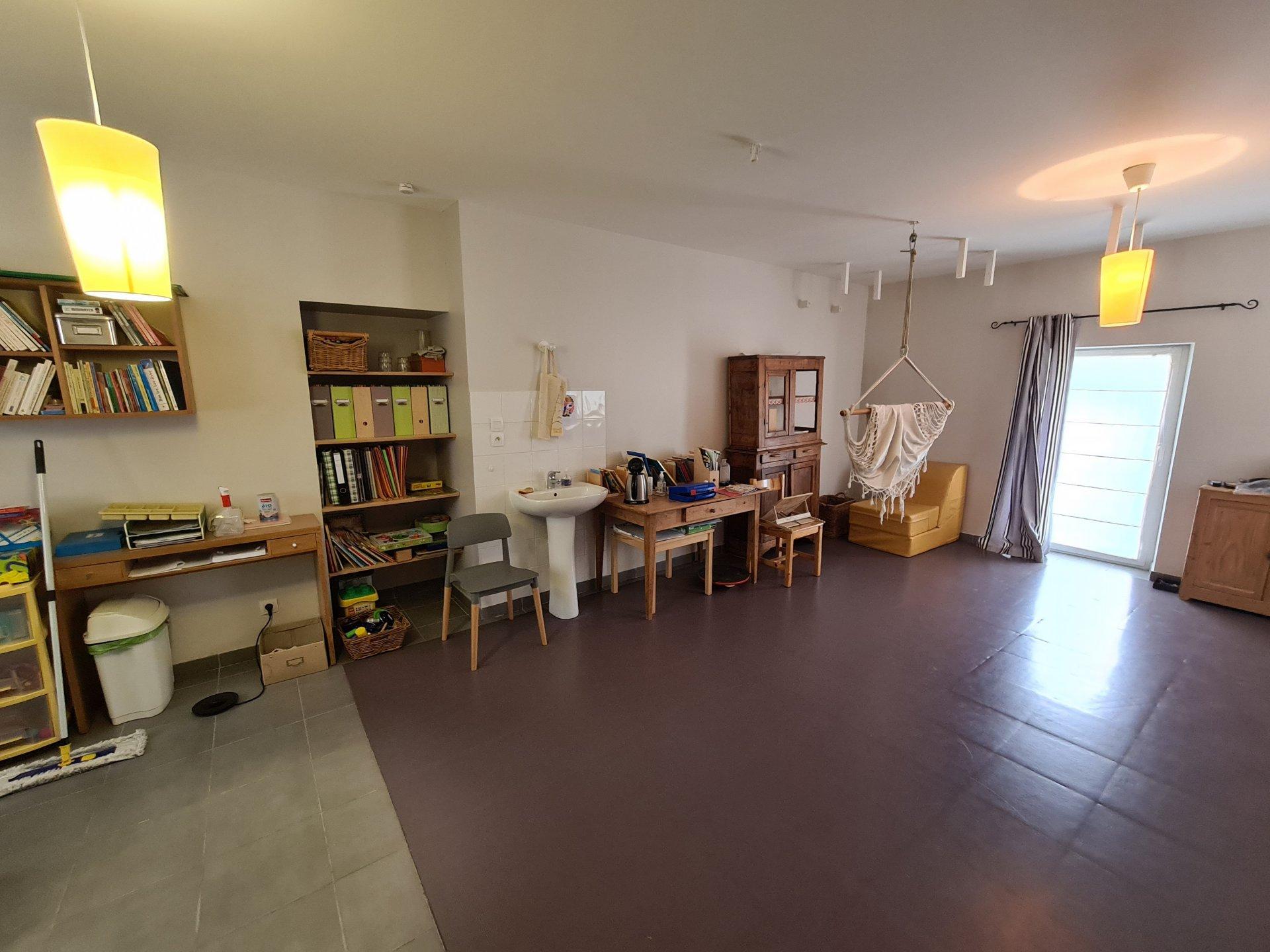 SAINT JEAN DE BOURNAY, Appartement RDJ, T4 de 72m² avec terrasse de 60m²