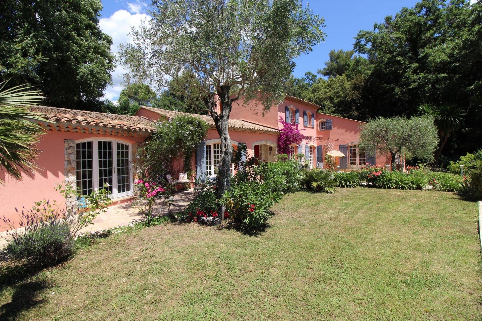 Villa avec piscine- Grasse