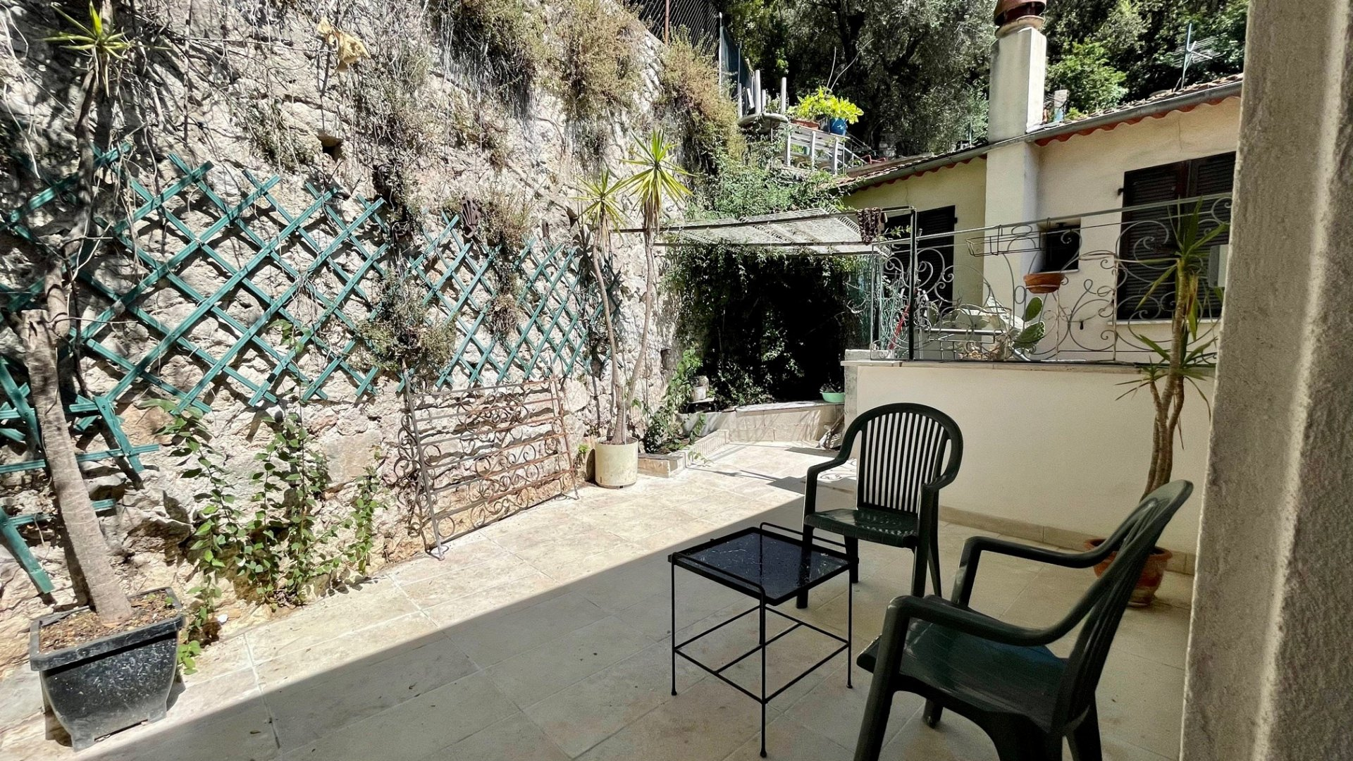 Trois pièces terrasse Vinaigrier