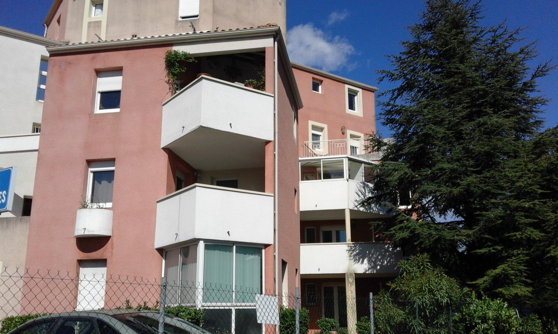 Pierrelatte, bel appartement T3 dans une résidence du centre ville avec ascenseur et garage
