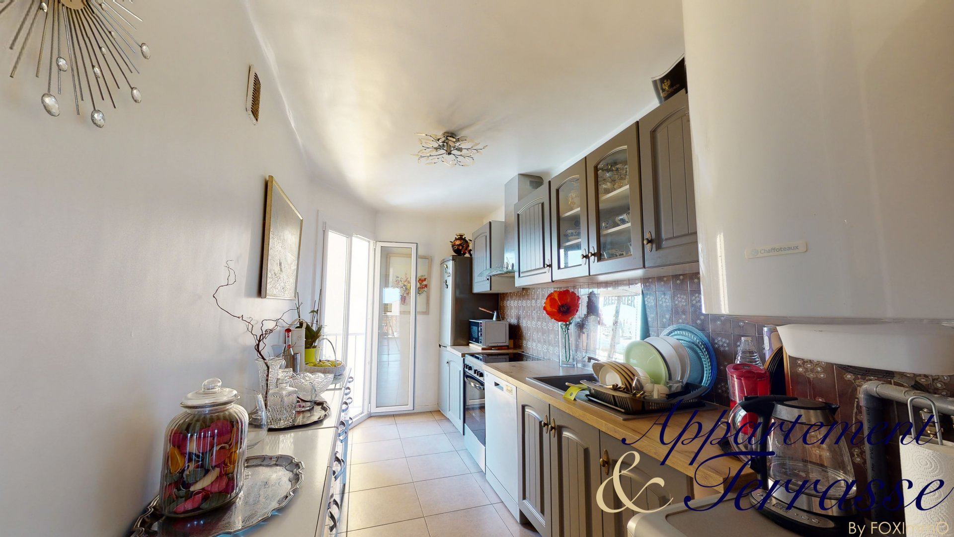 For sale beautiful 3P through 56 m² with sea view