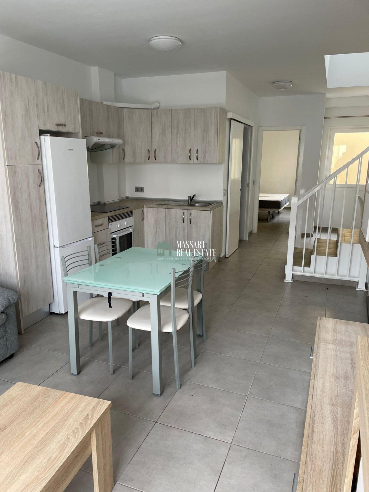 Moderno ático caracterizado por ofrecer una azotea enorme y privada, ubicado en una céntrica zona de San Isidro.