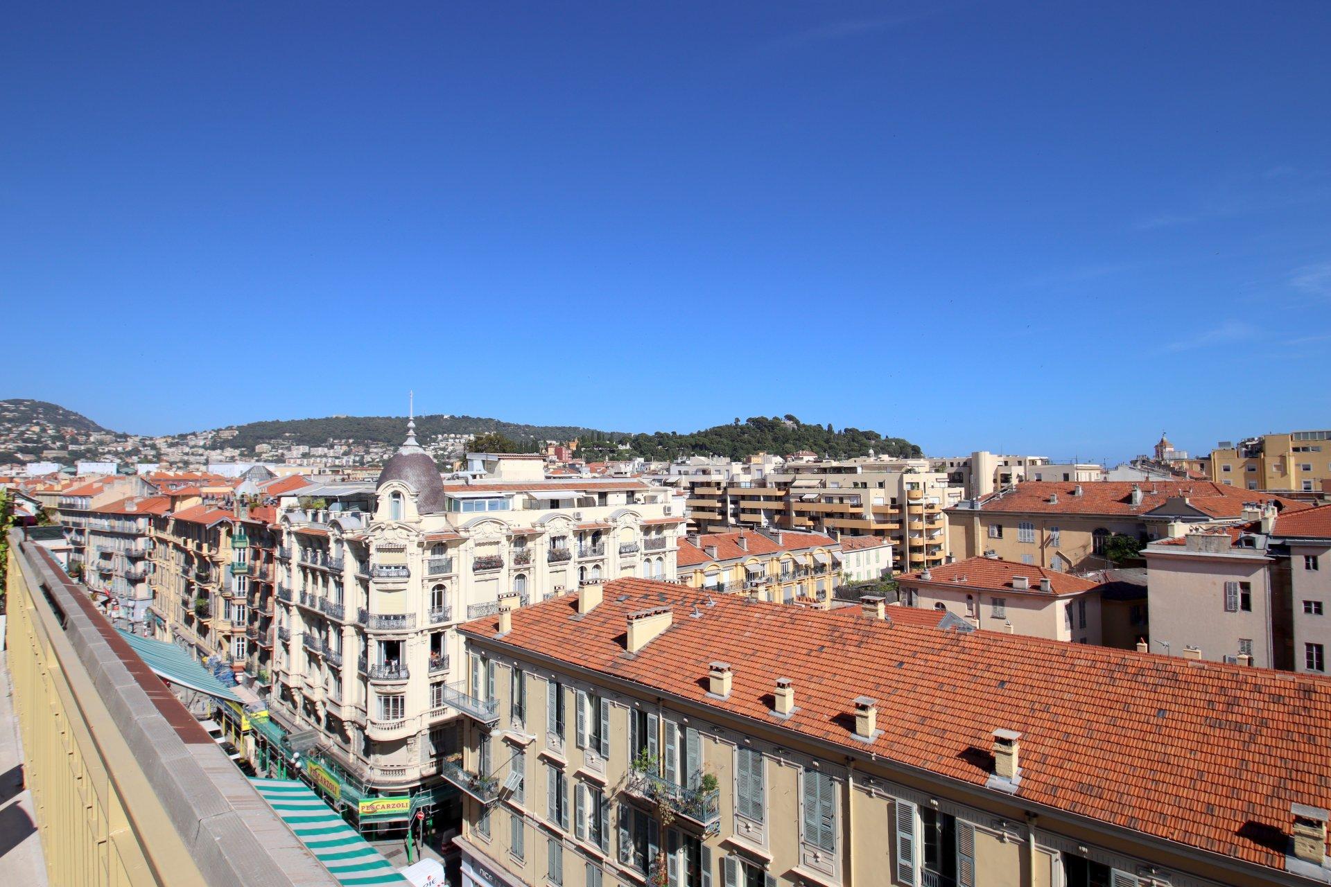 Nice Centre Ville 4/5 pièces dernier étage terrasse et vue panoramique ville