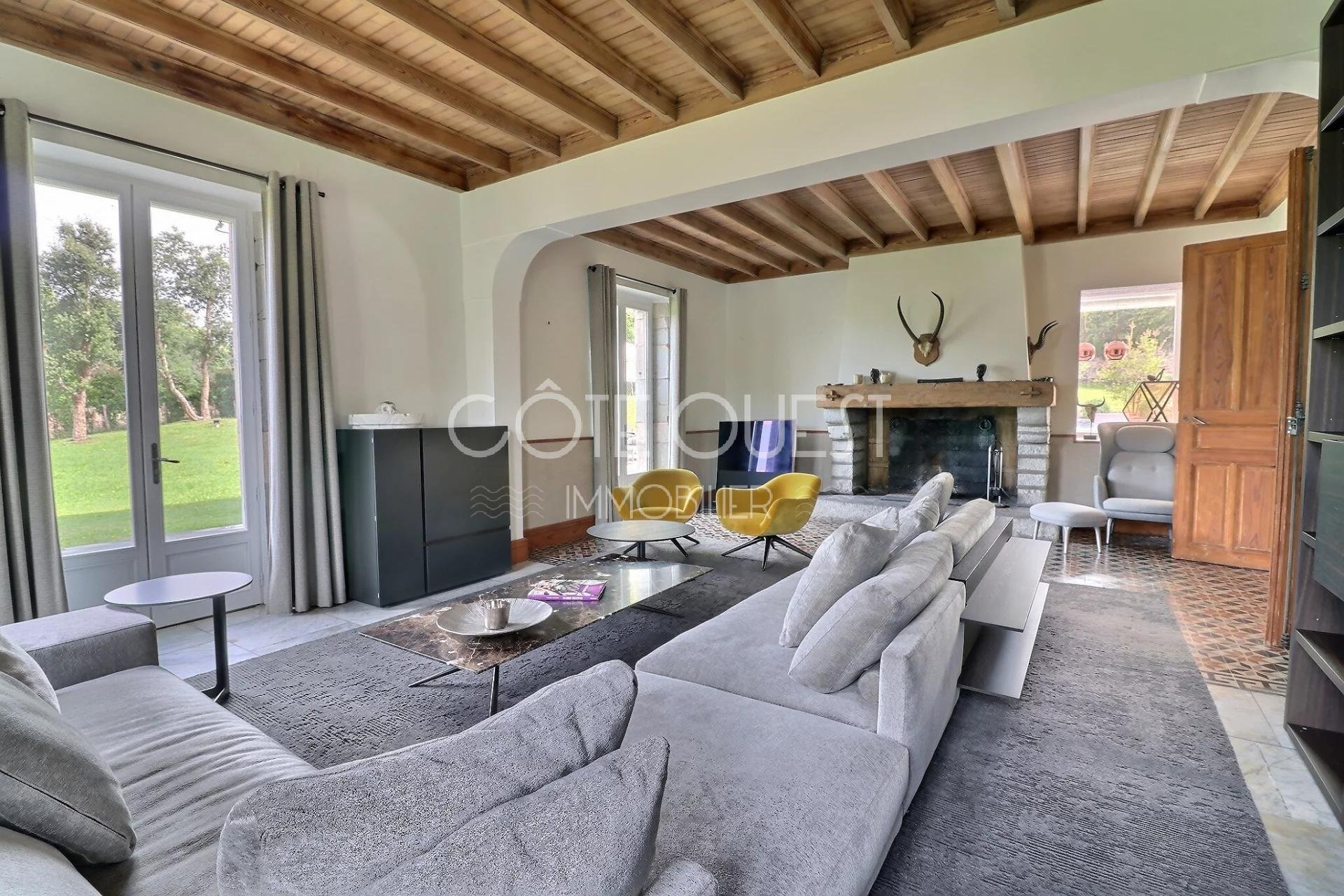A SUPERB PERIOD PROPERTY ON THE EDGE OF BIARRITZ