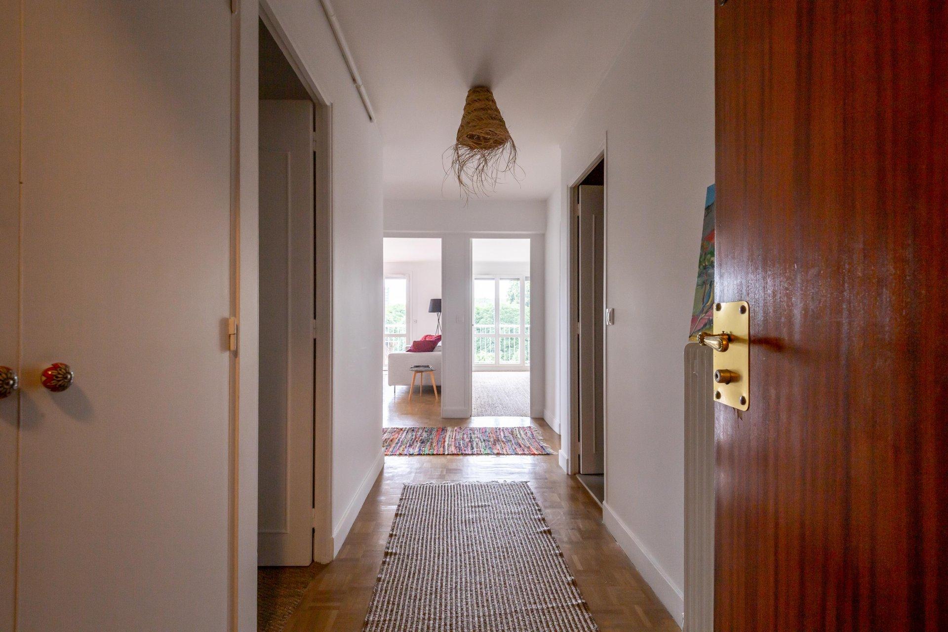 APPARTEMENT 3 PIECES  72 m² avec balcon et cave