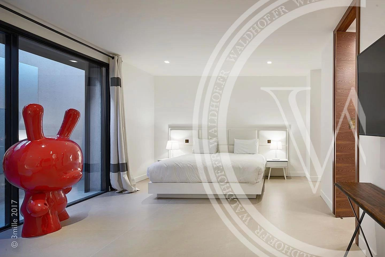 Villa Tahiti - 8 bedroom property mid-way between beaches & Port of St Tropez