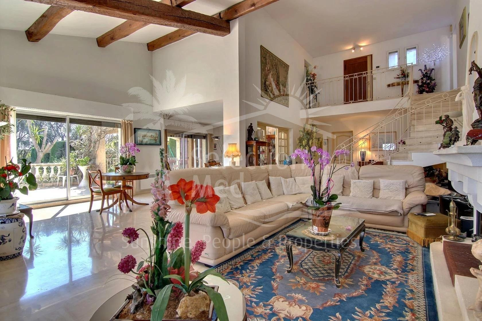 Beautiful Provencal house in Antibes