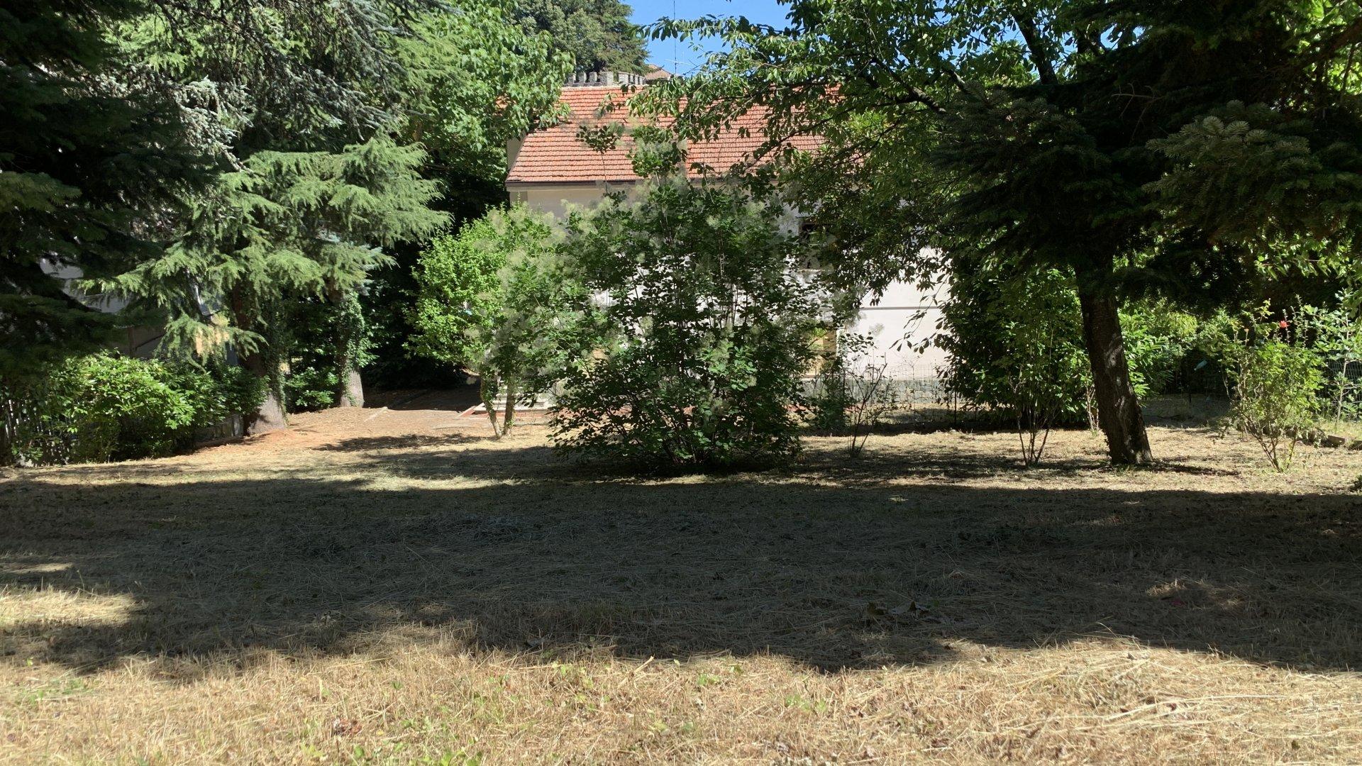 Casa indipendente sui 4 lati, Melazzo