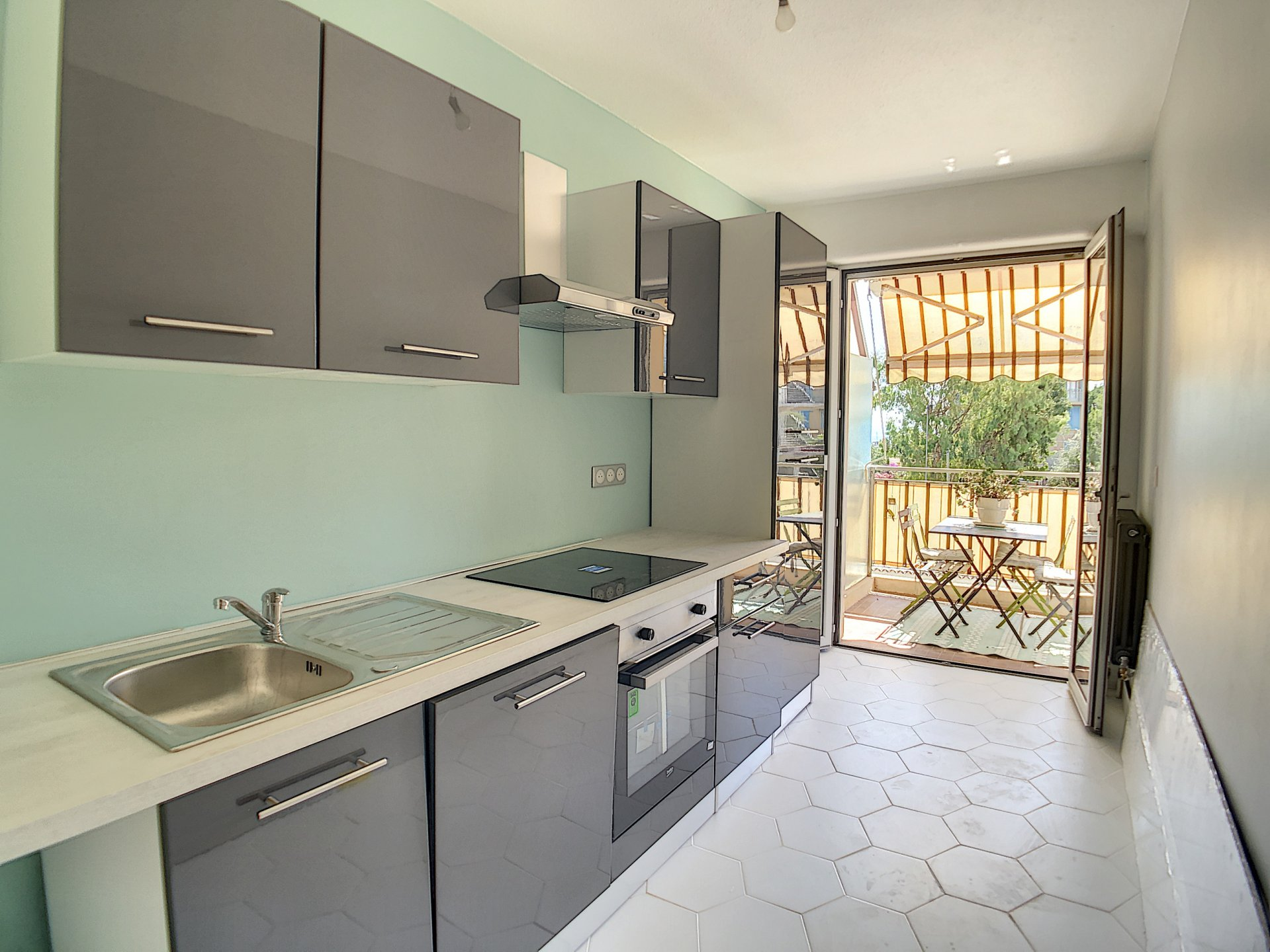 2 bedrooms apartment in Antibes