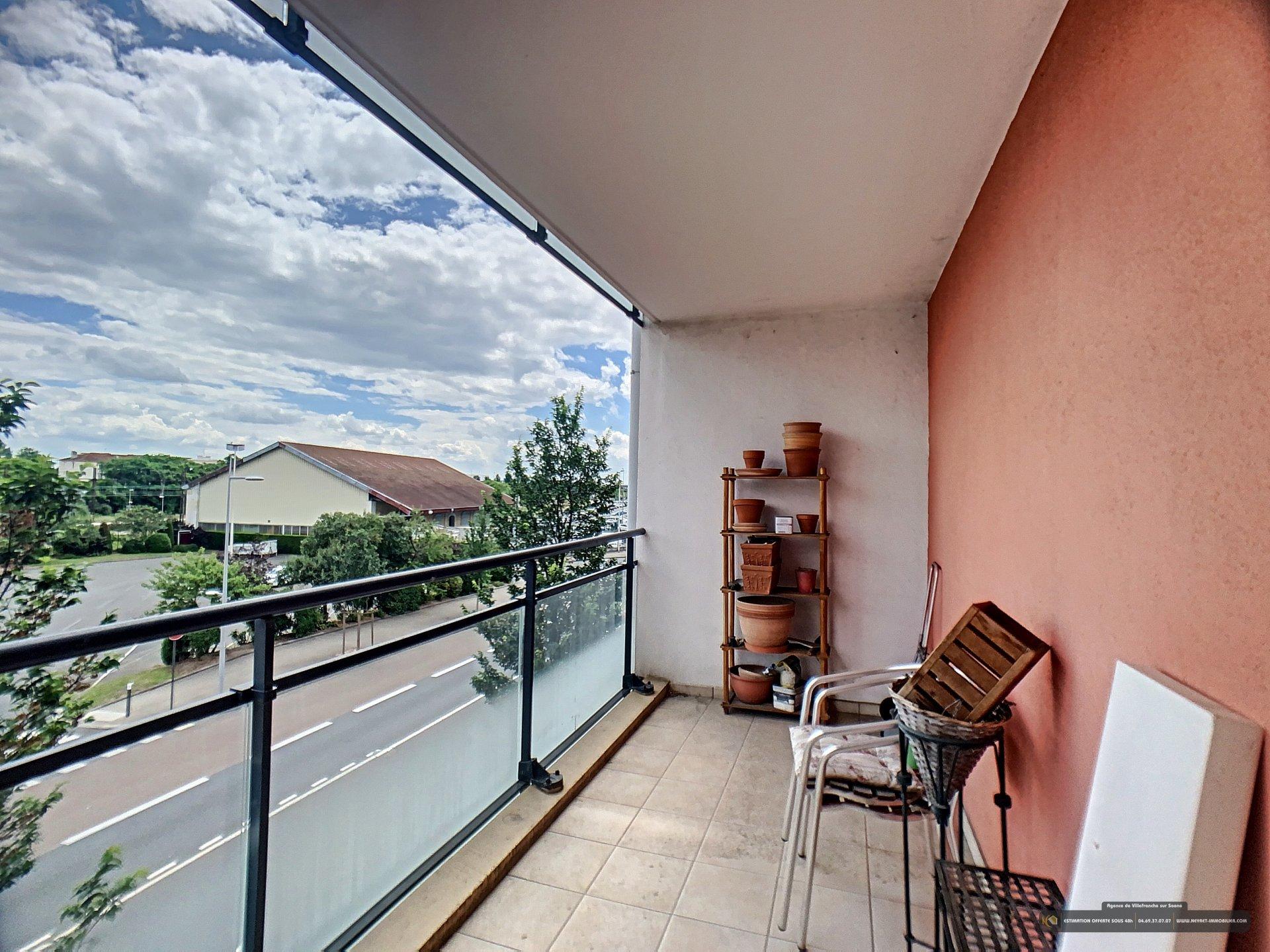 APPARTEMENT T3 avec balcon et double garage