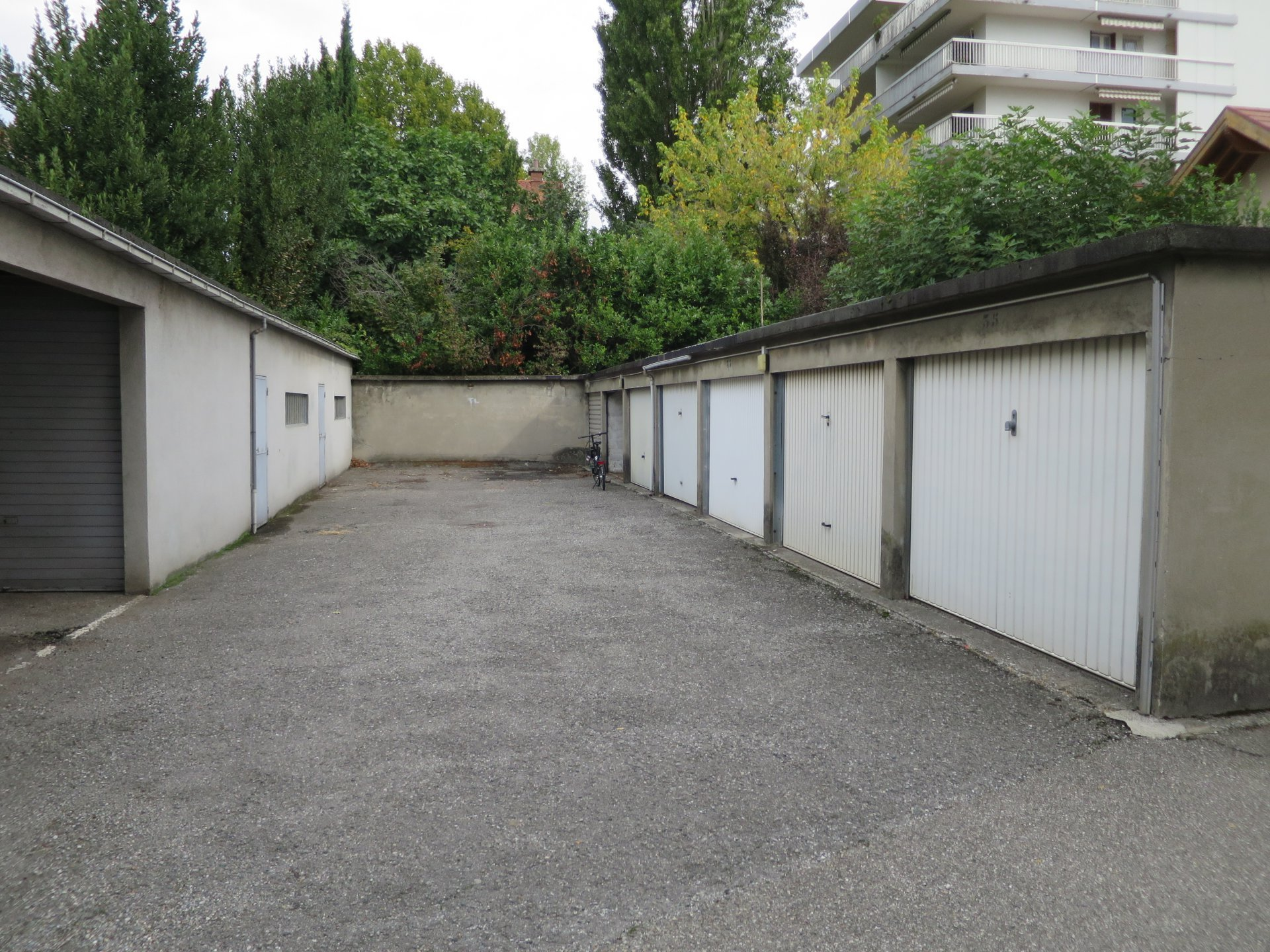 Rental Carpark - Grenoble Exposition-Bajatière