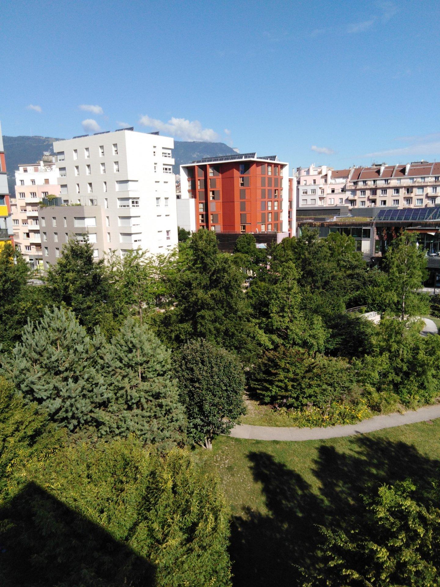 T3 avec terrasse  GRENOBLE  Caserne de Bonne