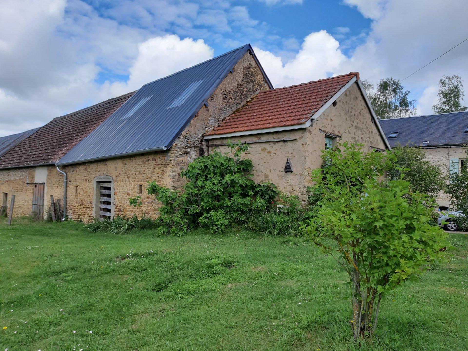 Morvan à vendre maison individuelle, gîte, terrain, grange